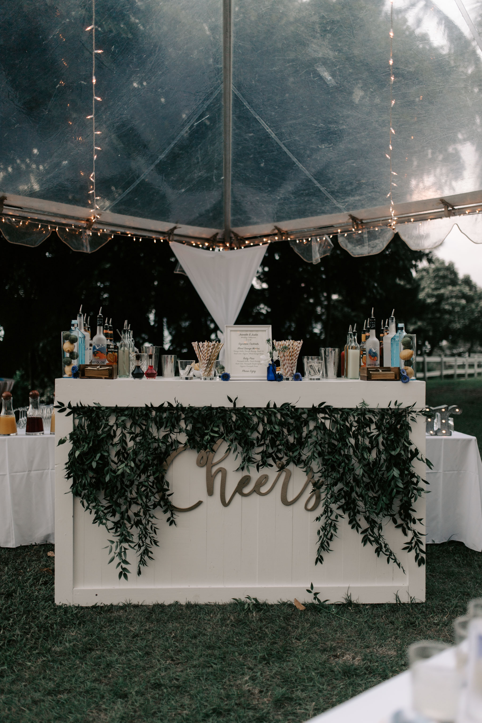 Cute bar set up at Kualoa Ranch Paliku Gardens. Photography by Hawaii wedding photographer Desiree Leilani
