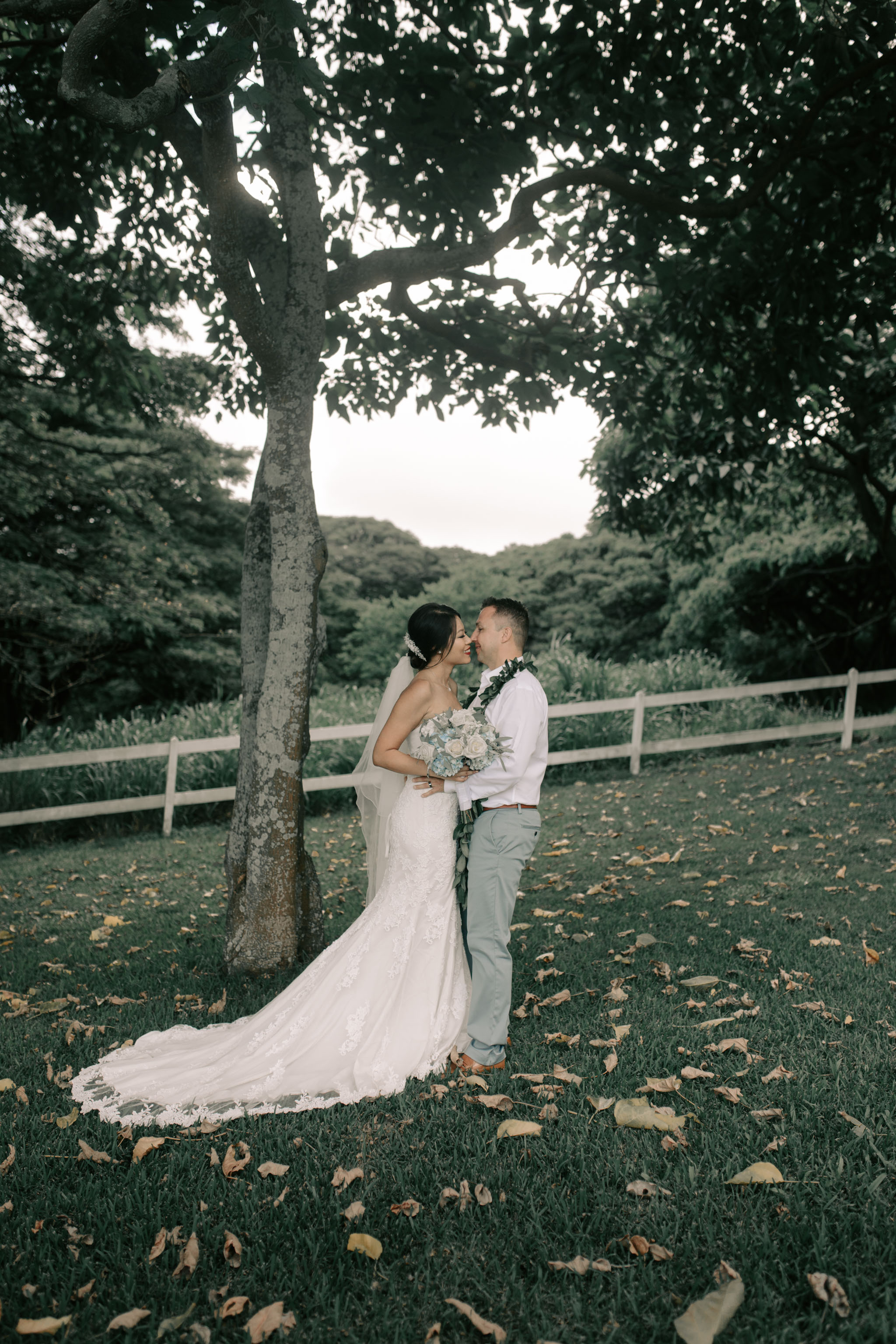 Kualoa Ranch Paliku Gardens Wedding. Photography by Hawaii fine art wedding photographer Desiree Leilani