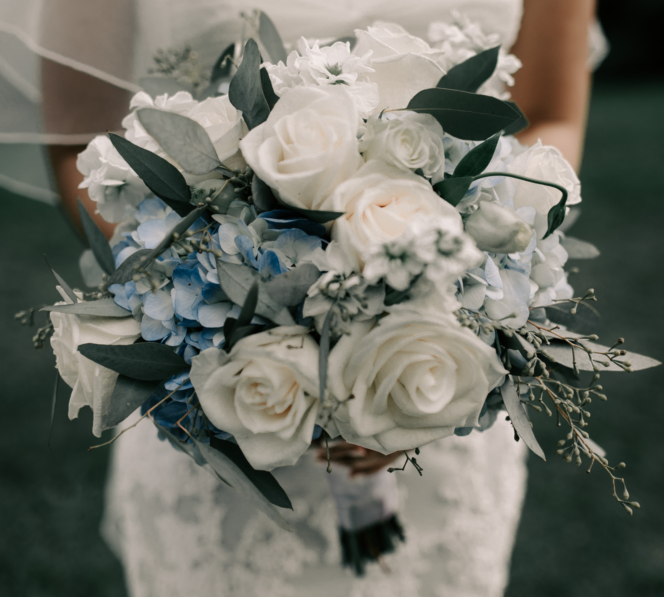 Bridal bouquet by J'Adore Floral Designs LLC. Photography by Hawaii fine art photographer Desiree Leilani