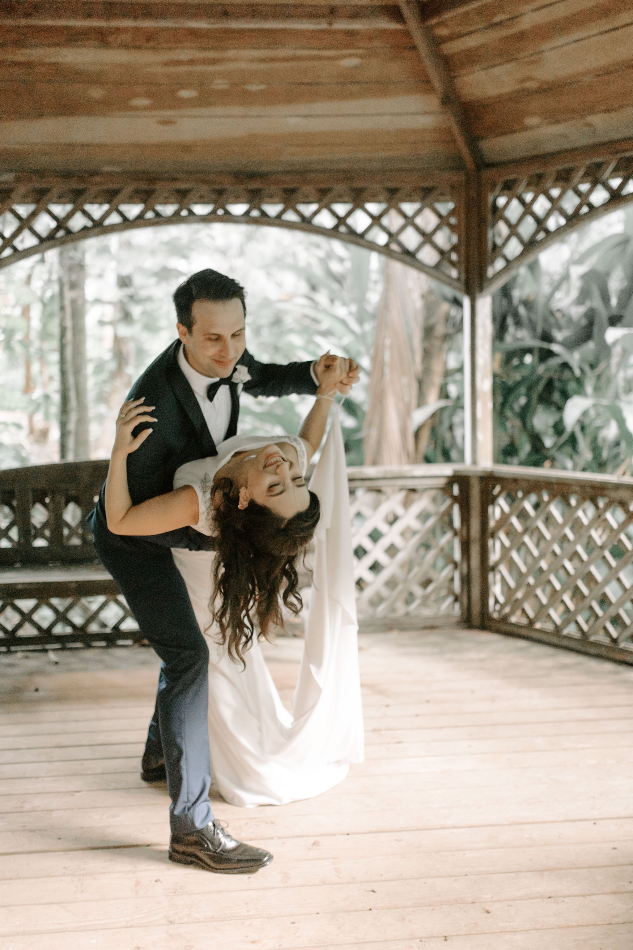 Kauai Elopement First Dance By Hawaii Wedding Photographer Desiree Leilani