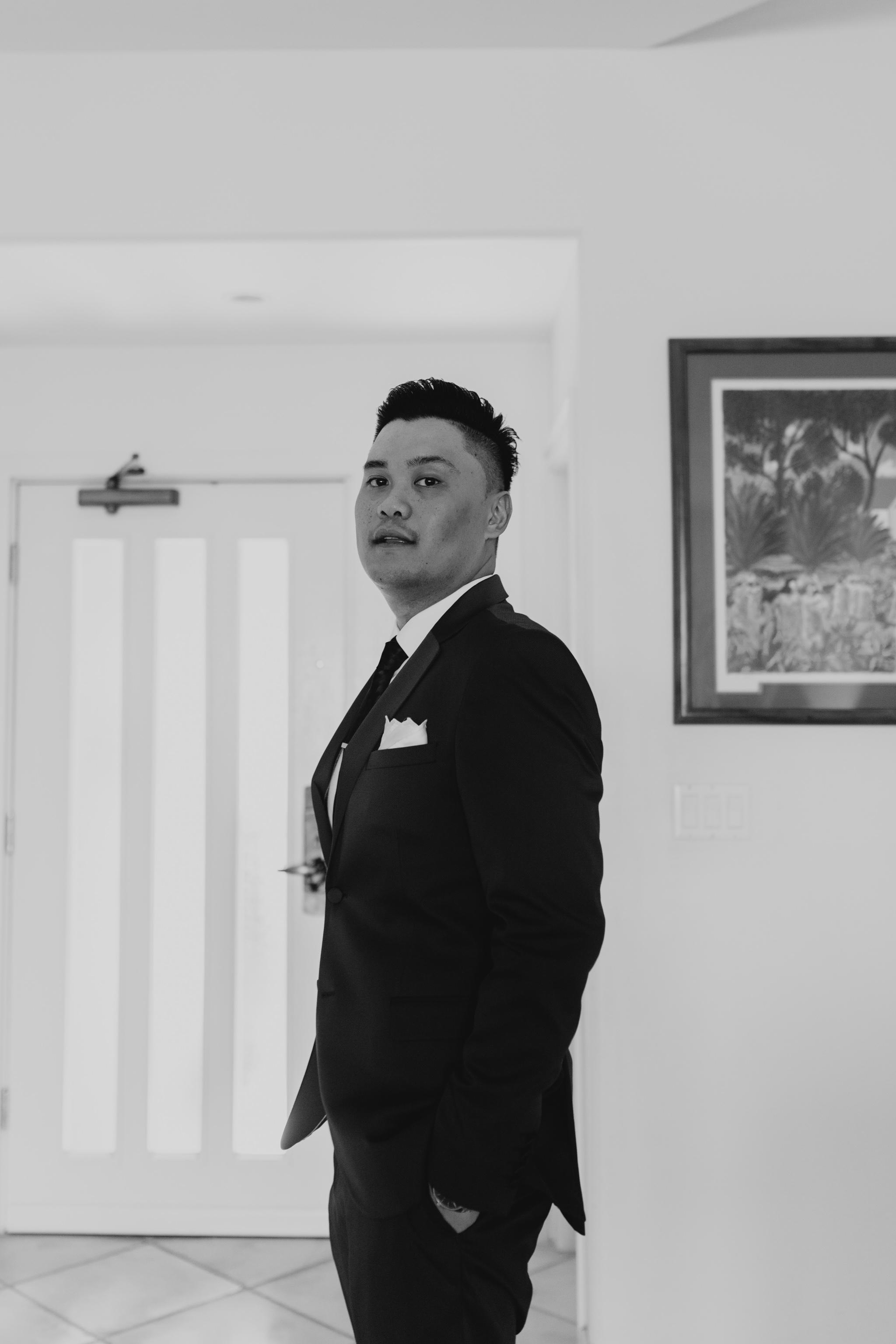 Groom portrait by Hawaii wedding photographer Desiree Leilani