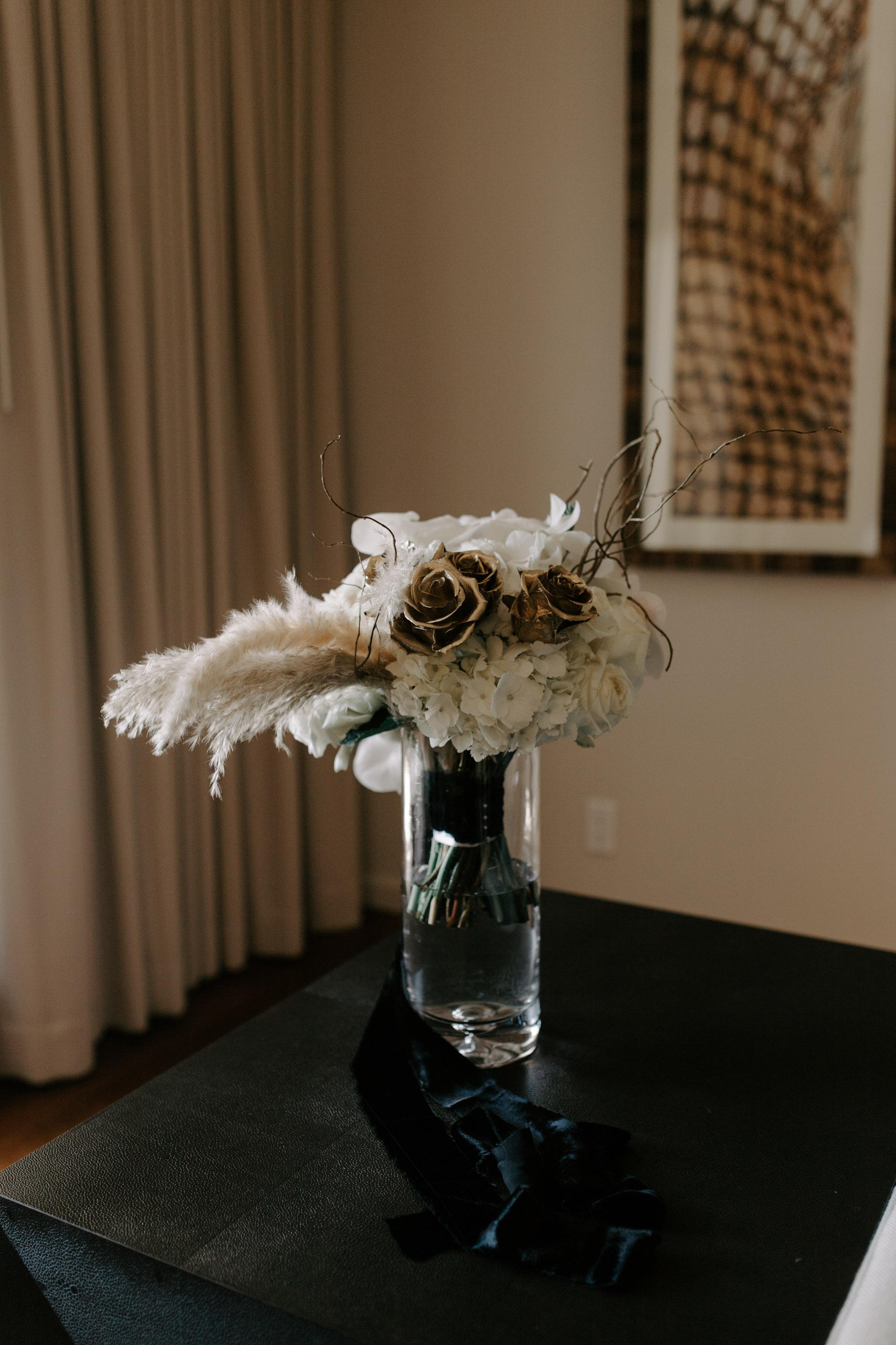 Dellables Floral Design bridal bouquet by Hawaii wedding photographer Desiree Leilani