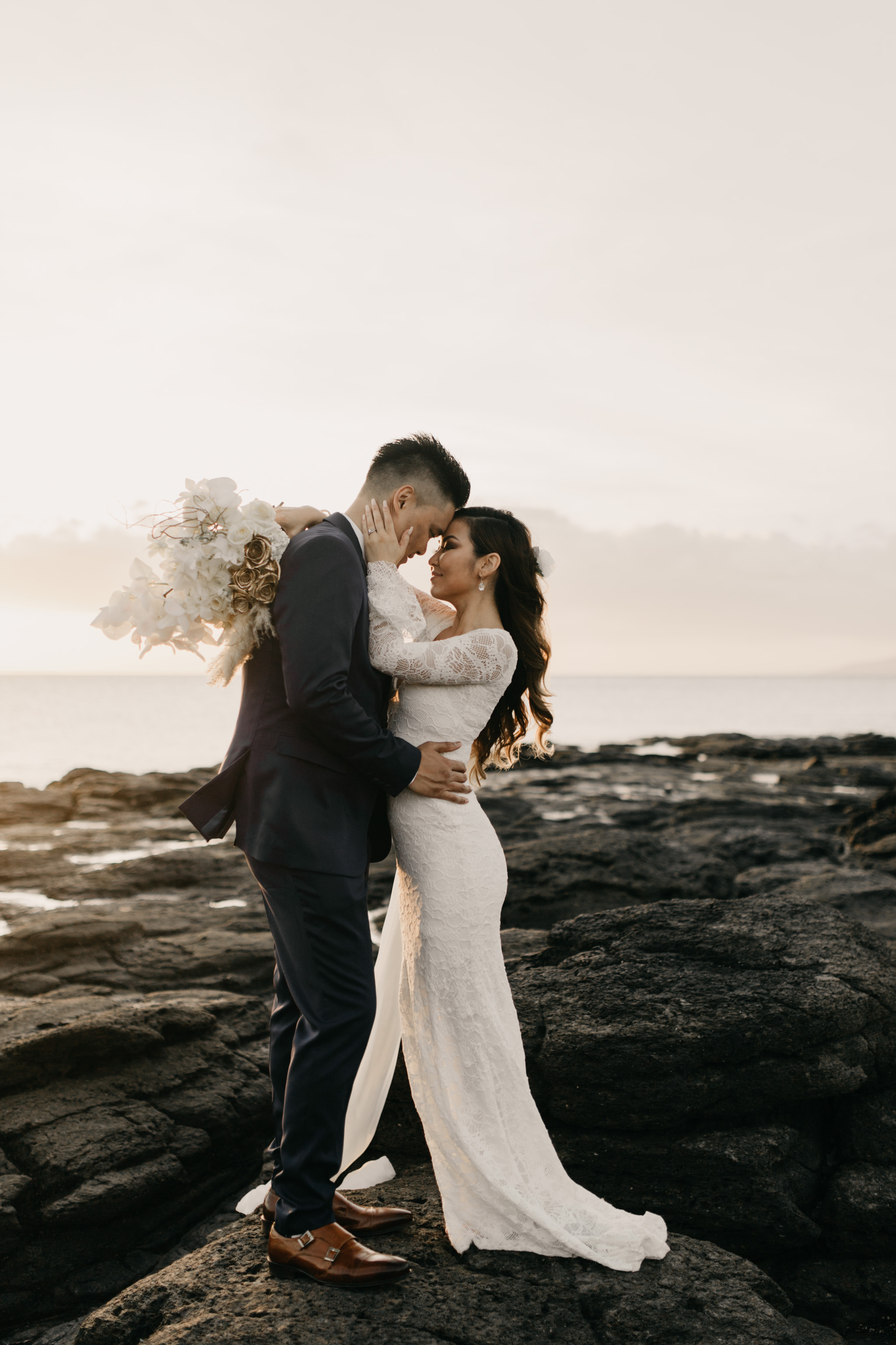 Dellables Floral Design and Grace Loves Lace Piper wedding gown   Merriman's Kapalua Maui wedding by Hawaii wedding photographer Desiree Leilani