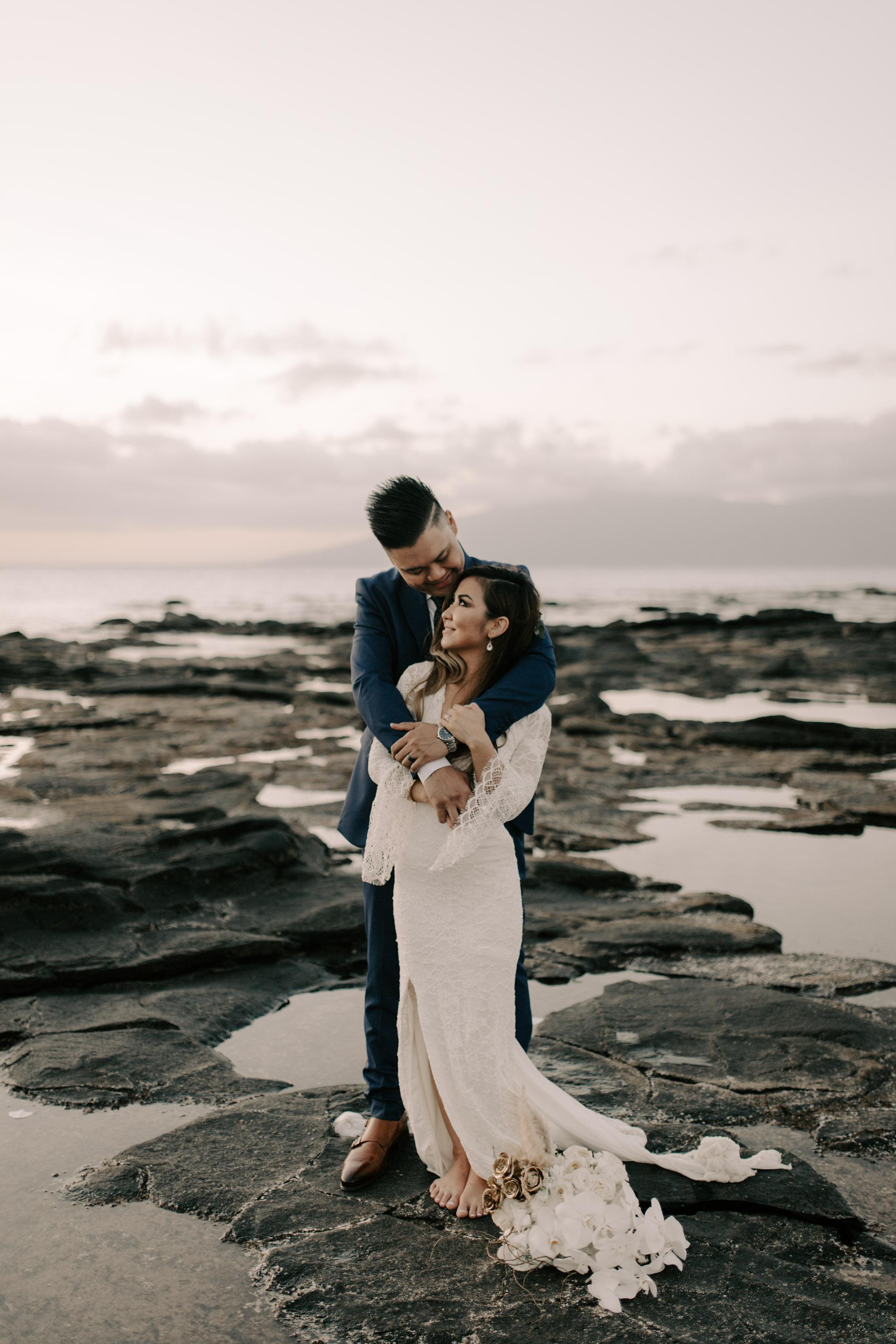 Beautiful Maui Wedding Photos   Merriman's Kapalua Maui wedding by Hawaii wedding photographer Desiree Leilani