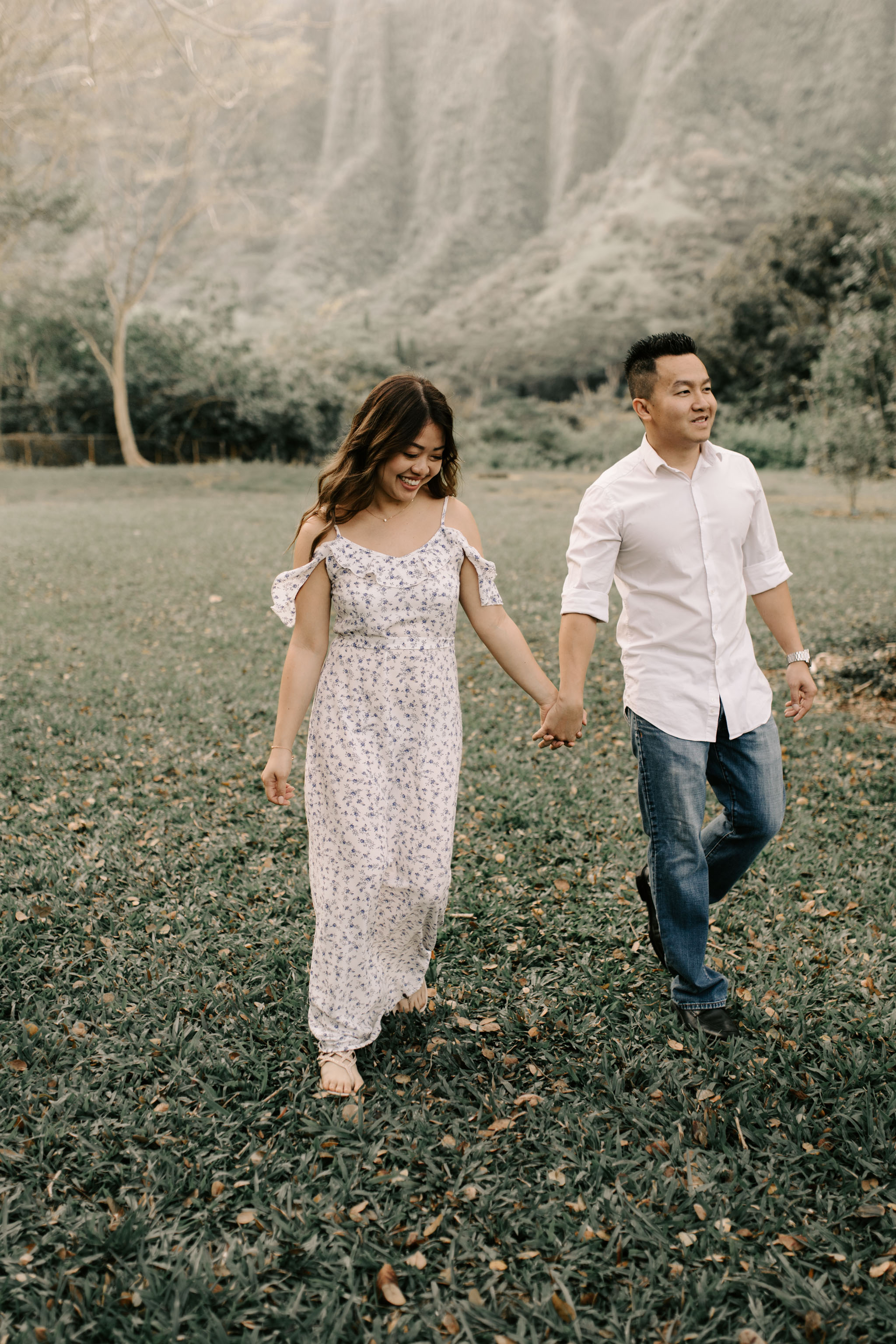 Gorgeous Engagement Photos at Hoomaluhia Botanical Gardens by Hawaii Wedding Photographer Desiree Leilani