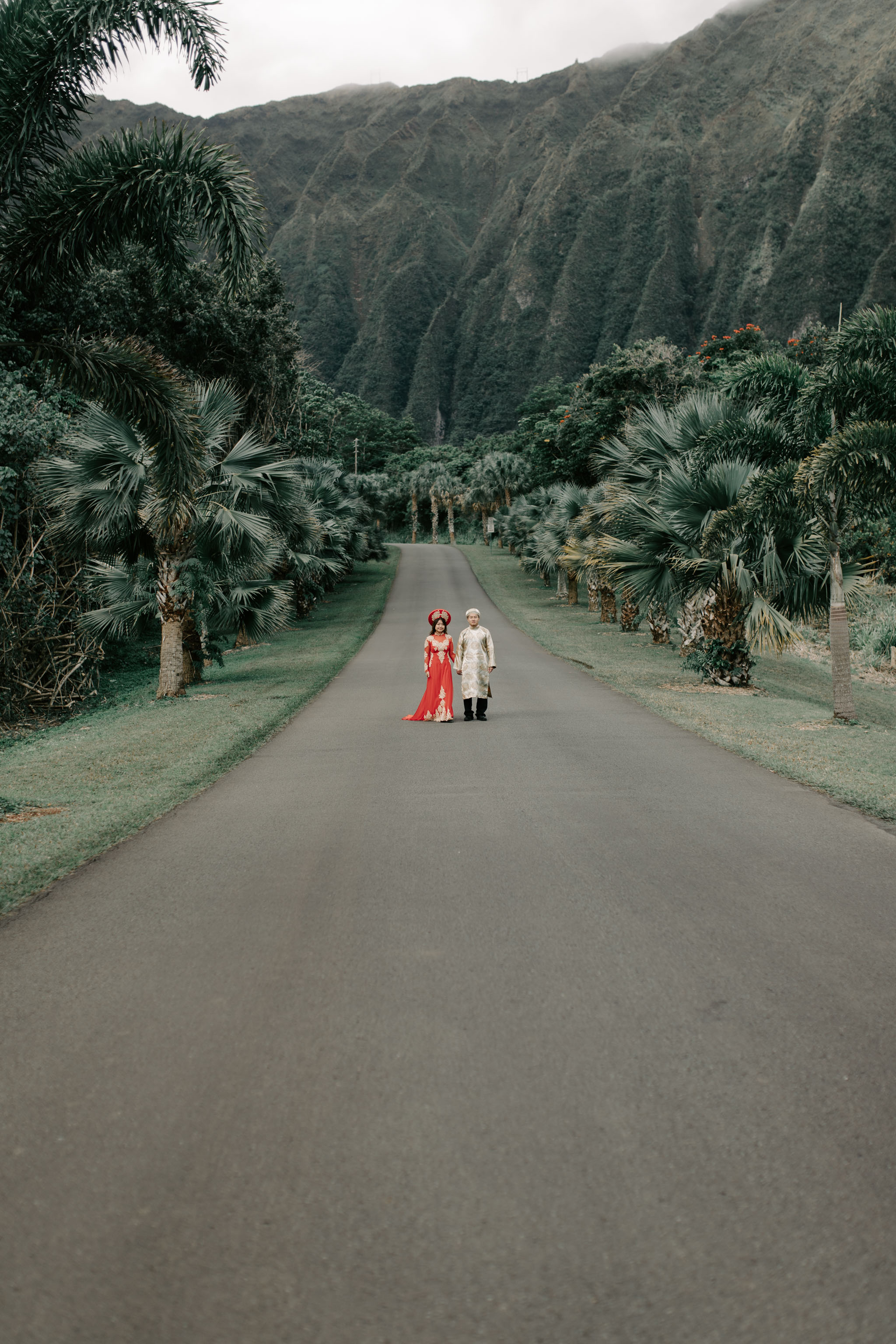 Engagement Photos Wearing Ao Dai Traditional Vietmanese Outfits at Hoomaluhia Botanical Gardens by Hawaii Wedding Photographer Desiree Leilani