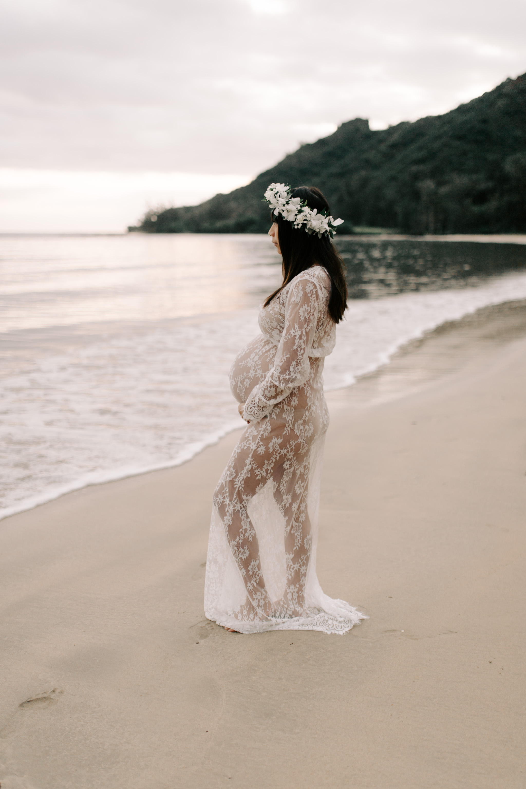 Whimsical Kahana Bay Maternity Sunrise Session by Hawaii Family Photographer Desiree Leilani