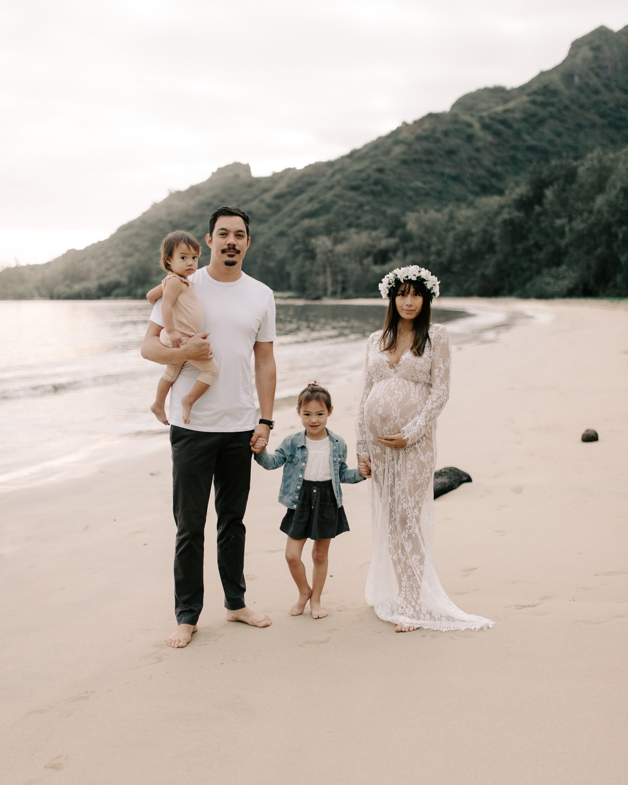 Gorgeous Kahana Bay Maternity Session by Hawaii Family Photographer Desiree Leilani