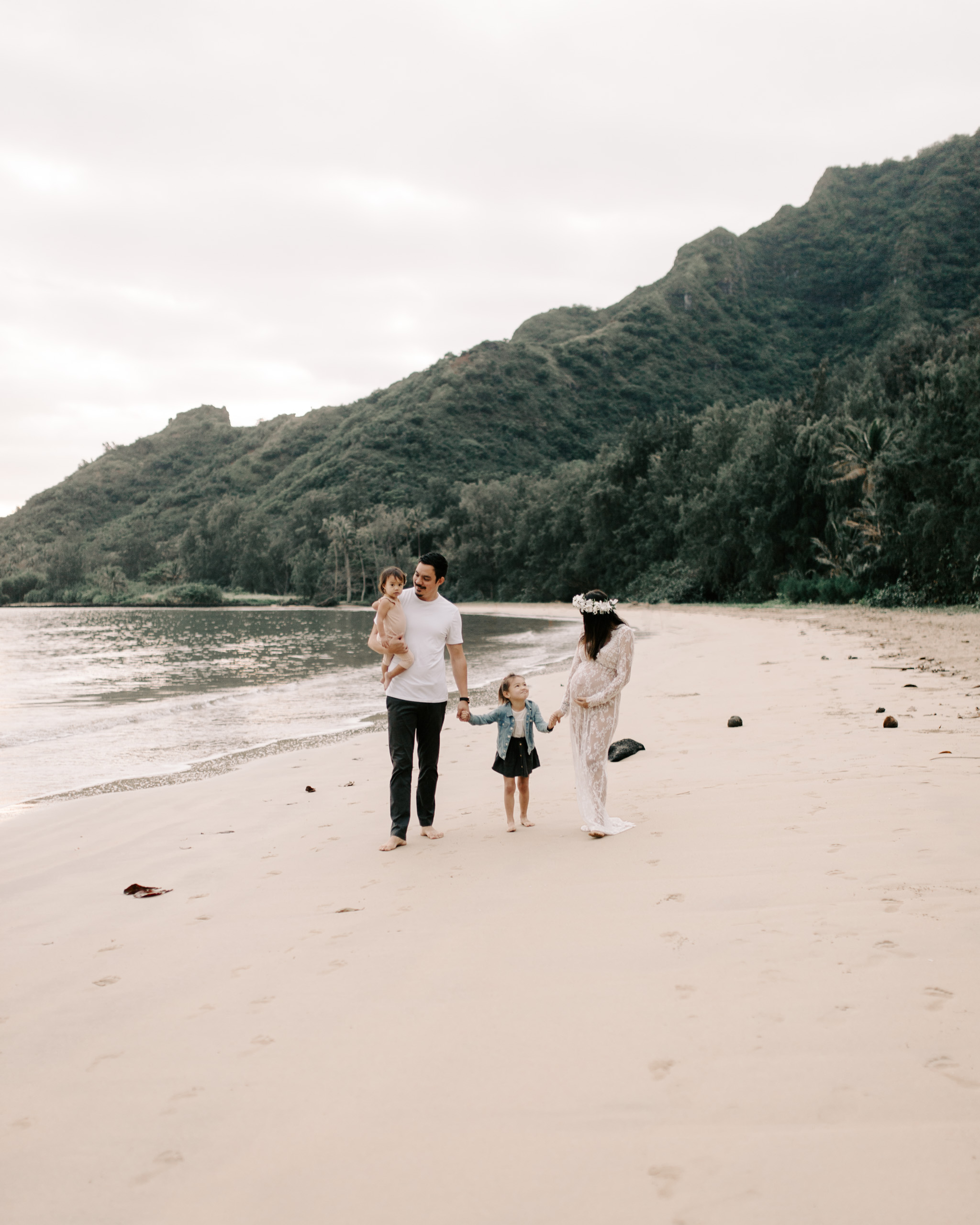 Beautiful Kahana Bay Sunrise Maternity Session by Hawaii Family Photographer Desiree Leilani