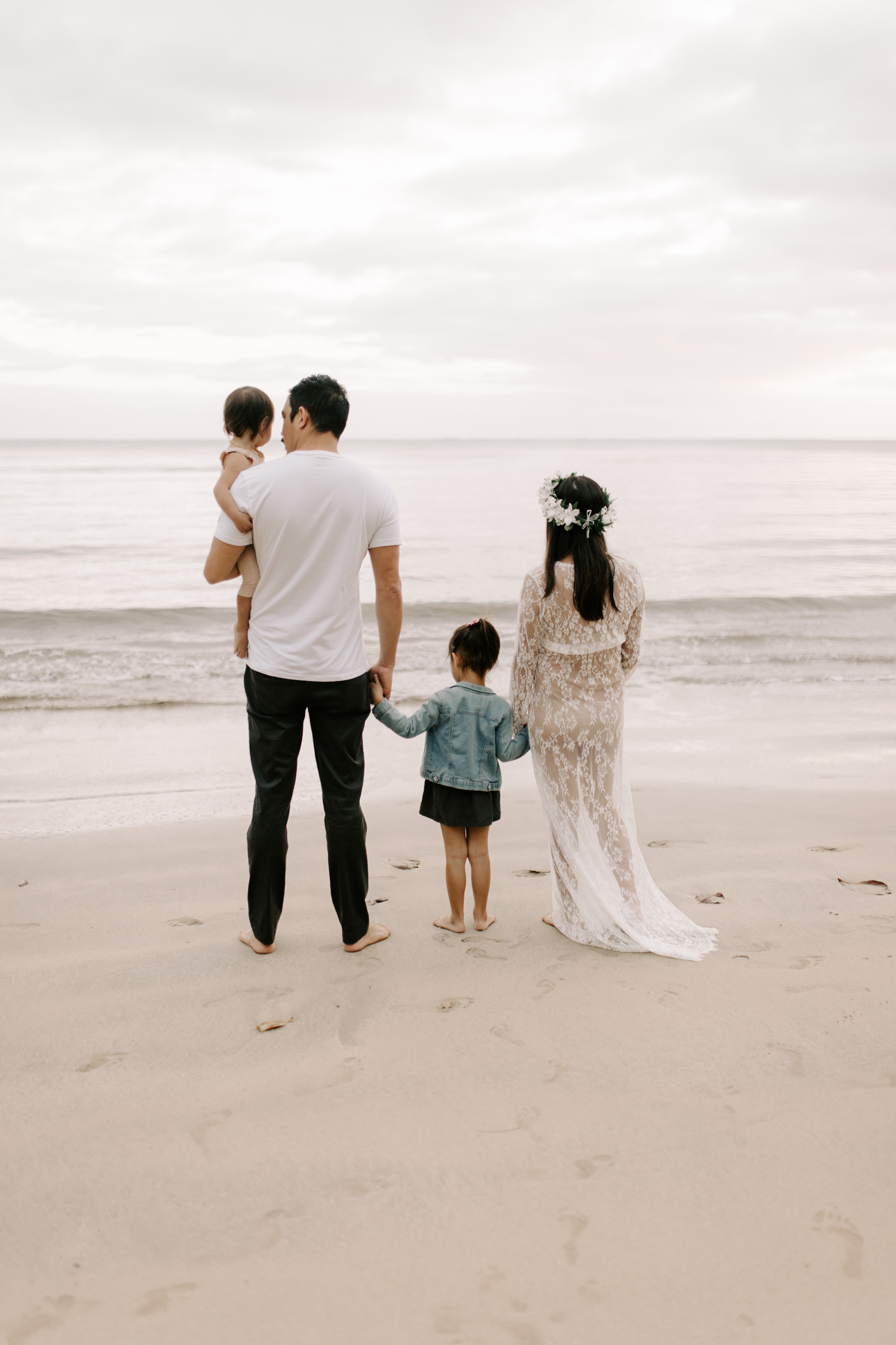 Whimsical Kahana Bay Maternity Session by Hawaii Family Photographer Desiree Leilani