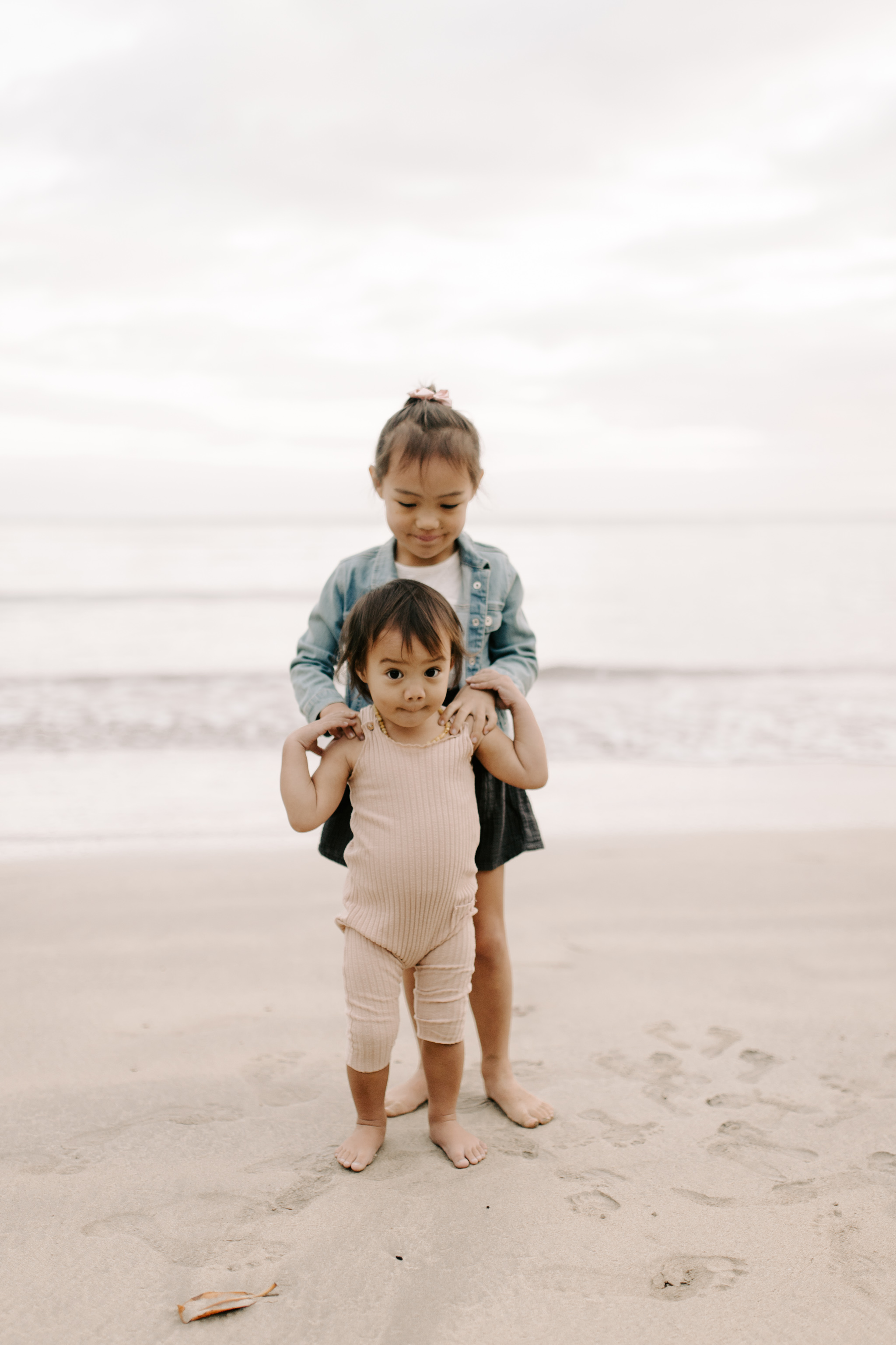Cute Kahana Bay Family Session by Hawaii Family Photographer Desiree Leilani