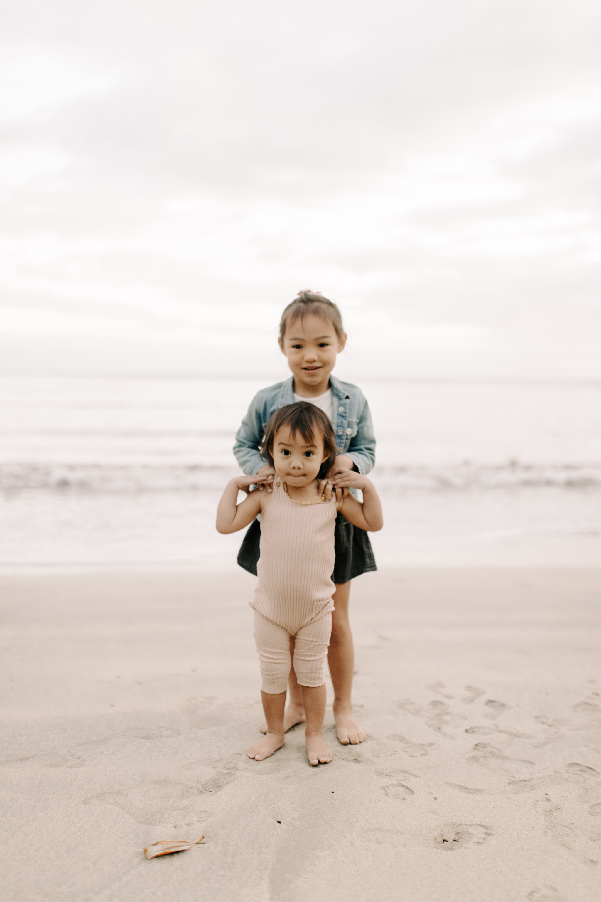 Whimsical Kahana Bay Family Session by Hawaii Family Photographer Desiree Leilani