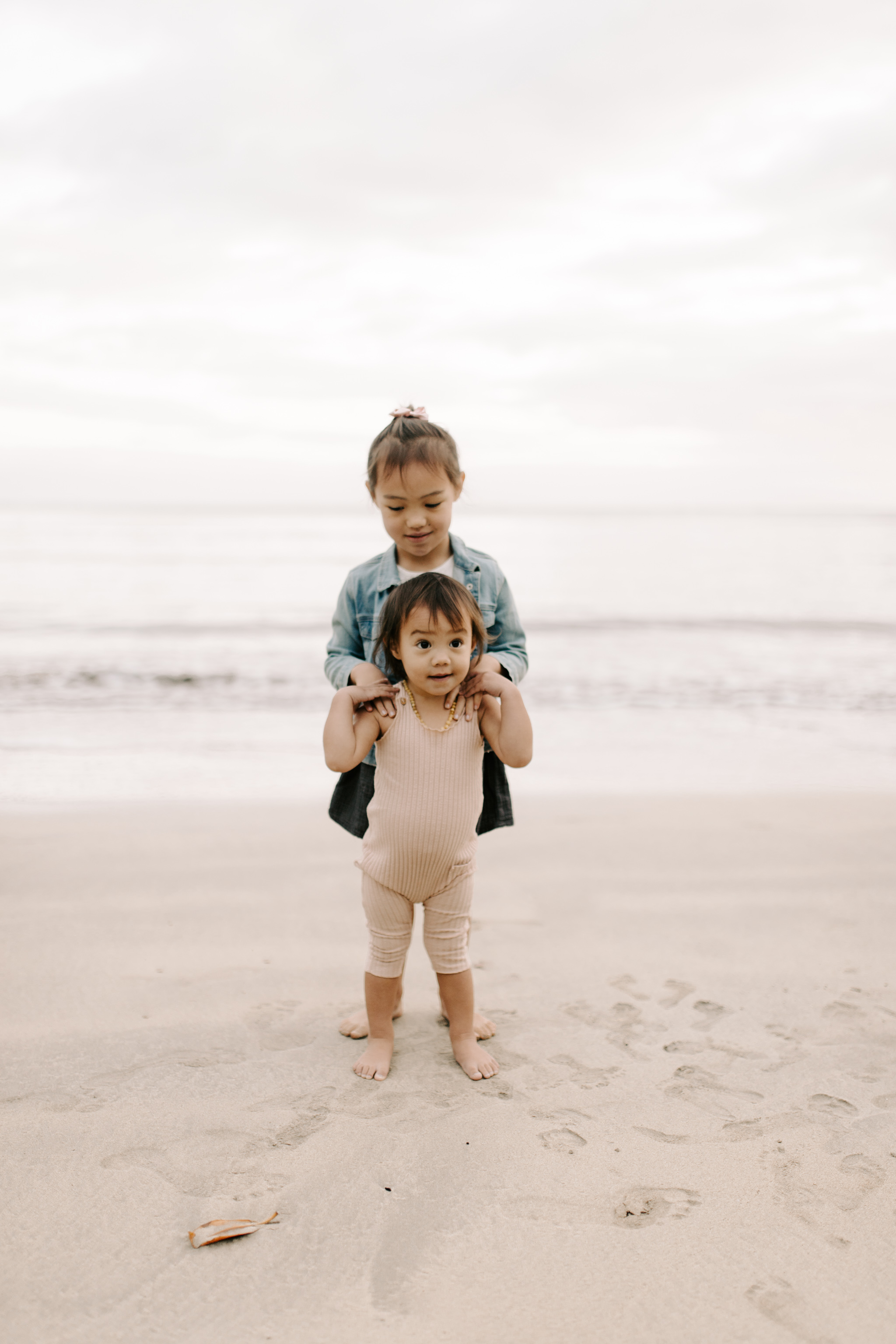 Beautiful Kahana Bay Family Session by Hawaii Family Photographer Desiree Leilani