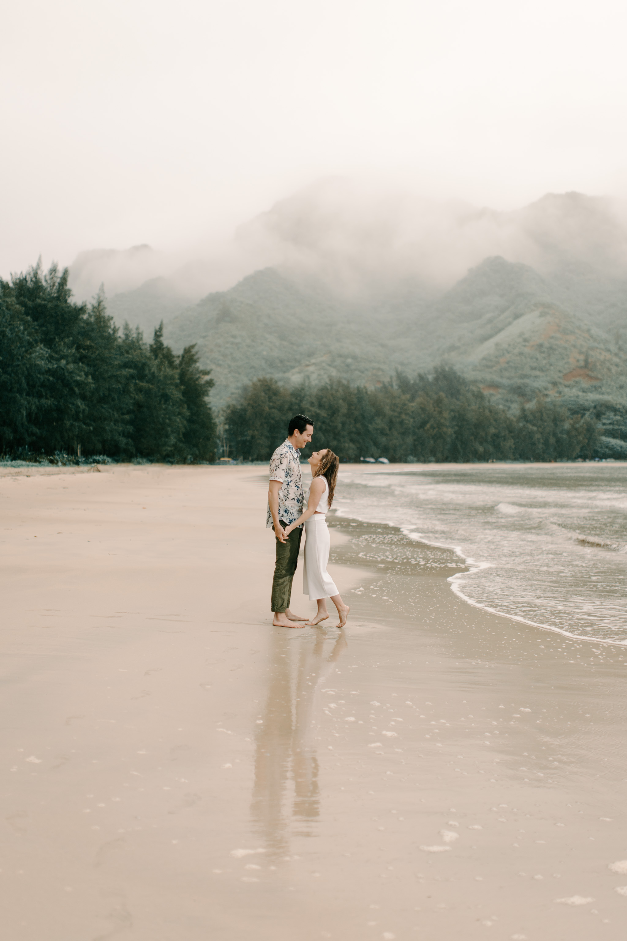 Gorgeous Rainy Hawaii Engagement Photos By Oahu Photographer Desiree Leilani
