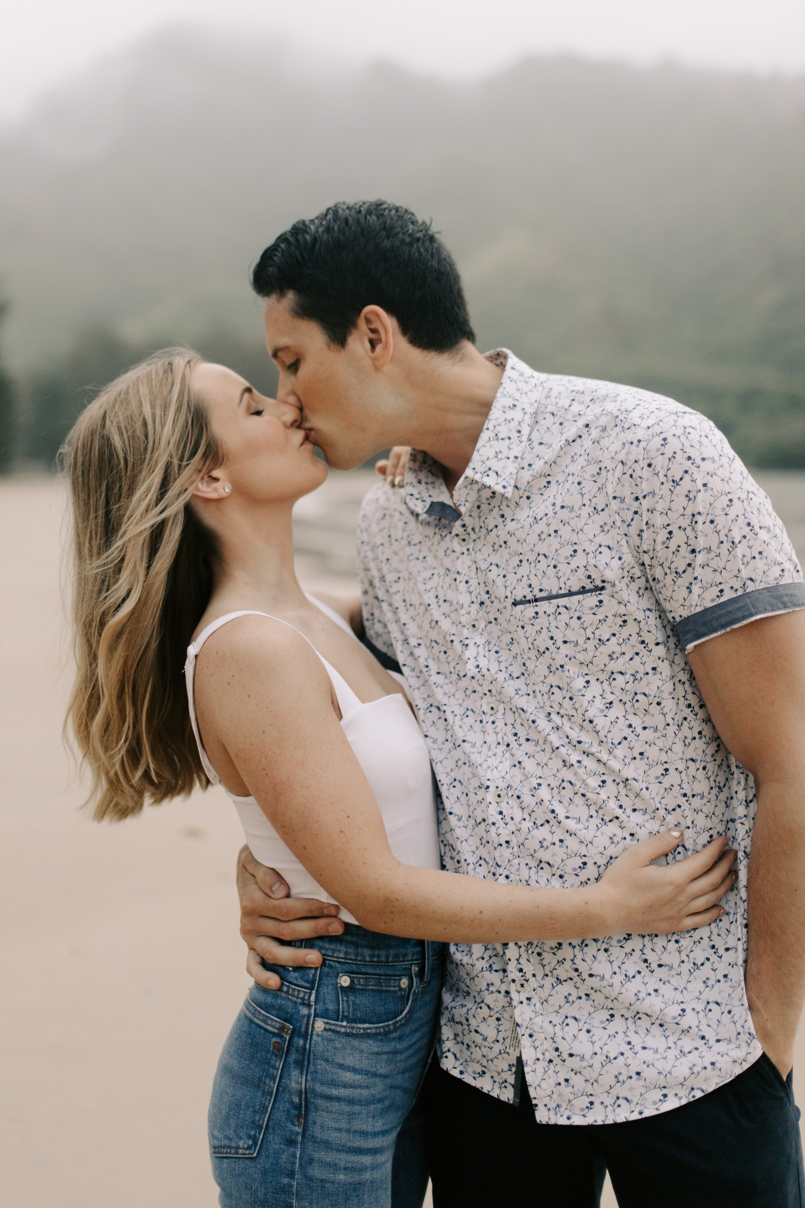 Cute+engagement+session+at+Kahana+Bay+Hawaii+by+Oahu+Wedding+Photographer+Desiree+Leilani
