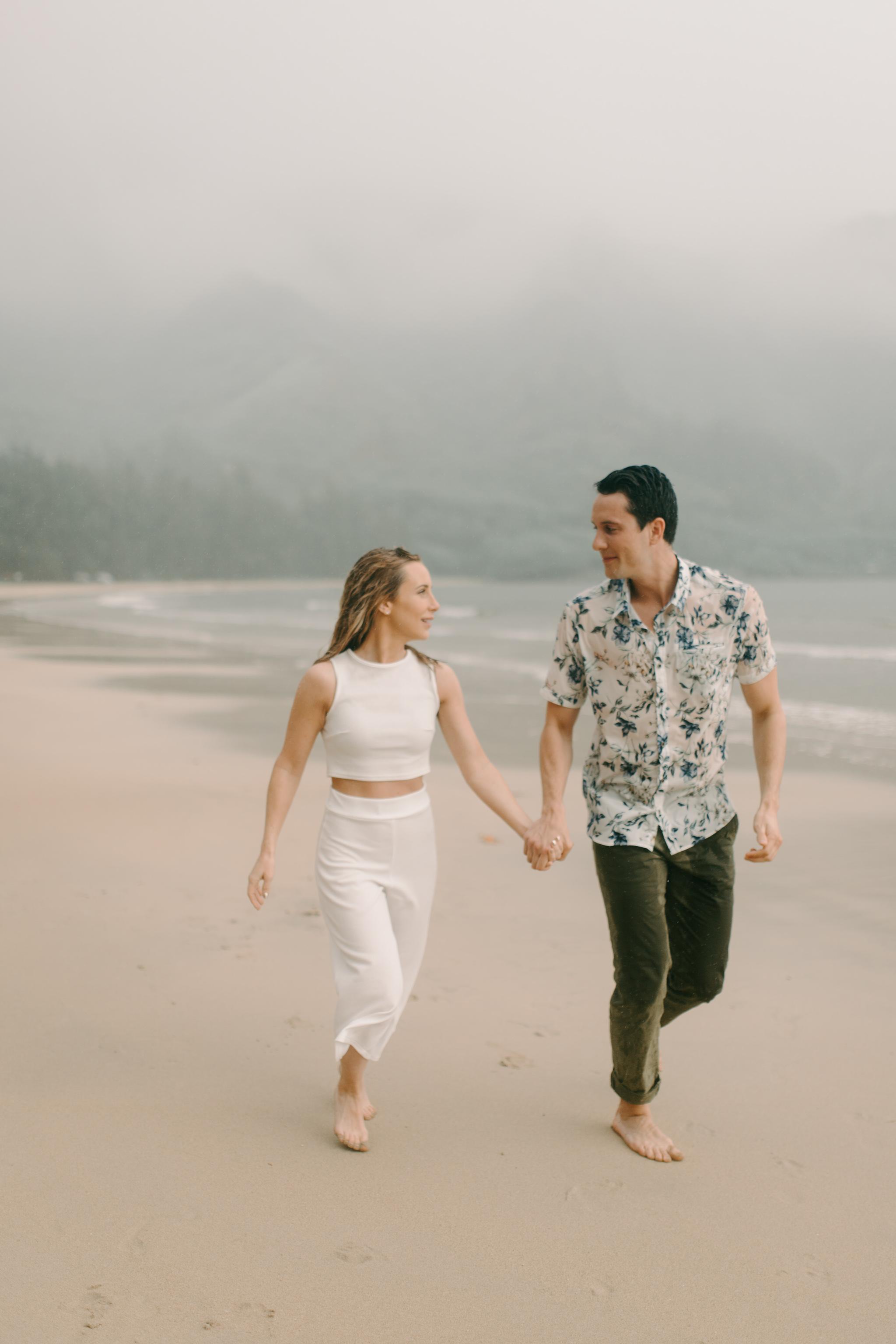 Gorgeous Kahana Bay Rainstorm Engagement Photos By Hawaii Wedding Photographer Desiree Leilani