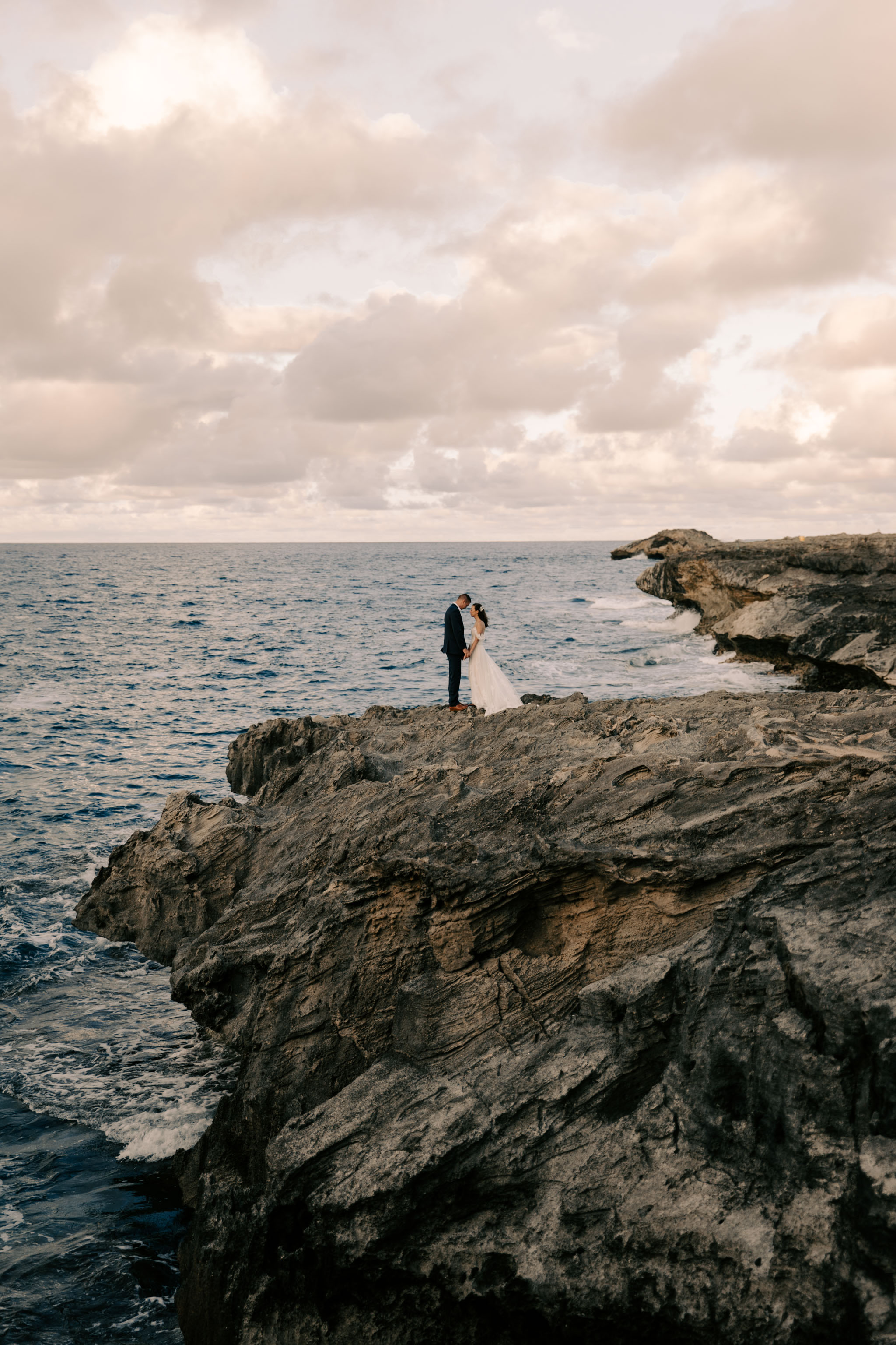 Amazing Laie Point Wedding Photo By Hawaii Wedding Photographer Desiree Leilani