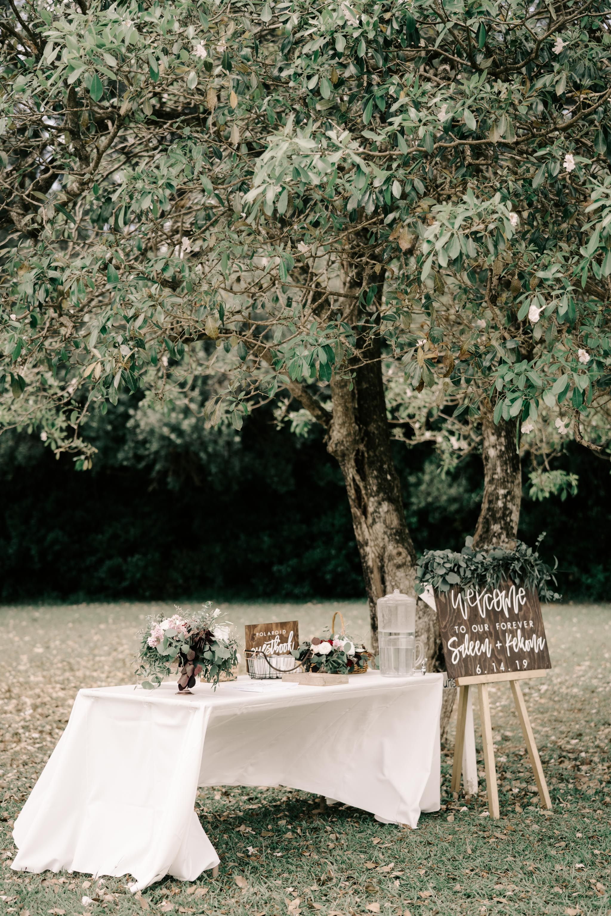 Wedding Ceremony Greeting Table Idea - Sunset Ranch Hawaii Wedding By Oahu Wedding Photographer Desiree Leilani