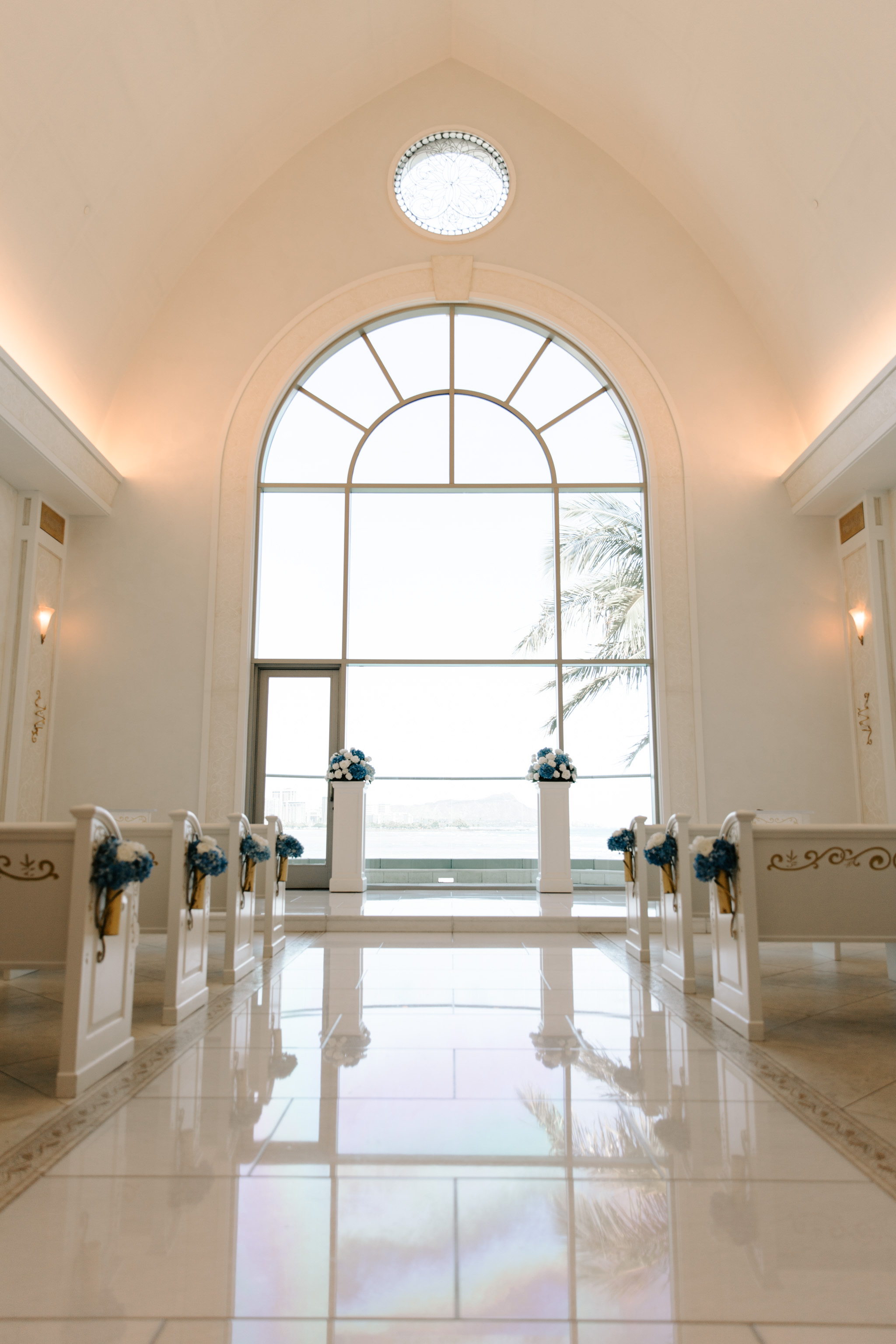 53 By The Sea Hawaii Wedding Naupaka Chapel By Oahu Wedding Photographer Desiree Leilani