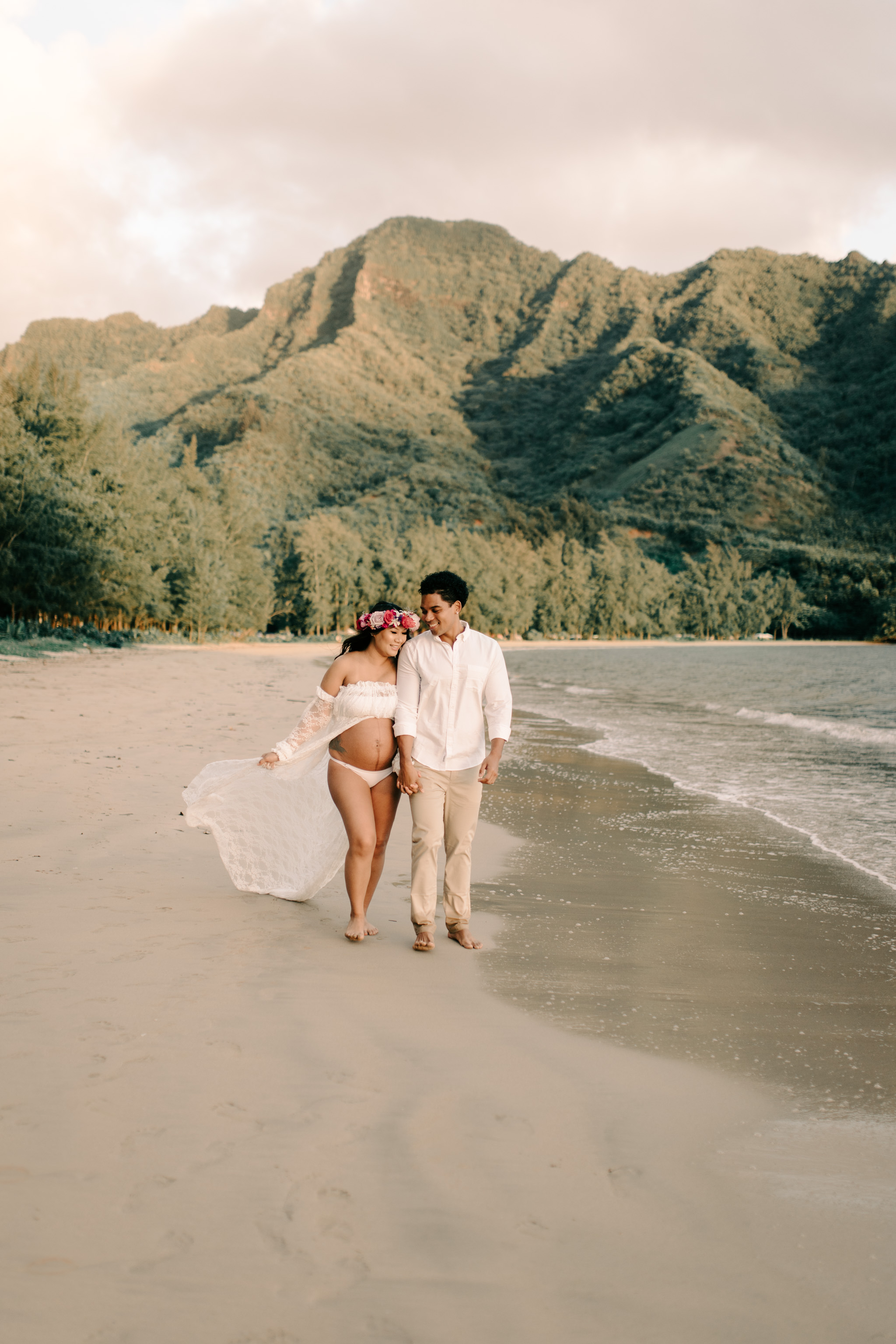 Beautiful Kahana Bay Oahu Maternity Session By Hawaii Family Photographer Desiree Leilani