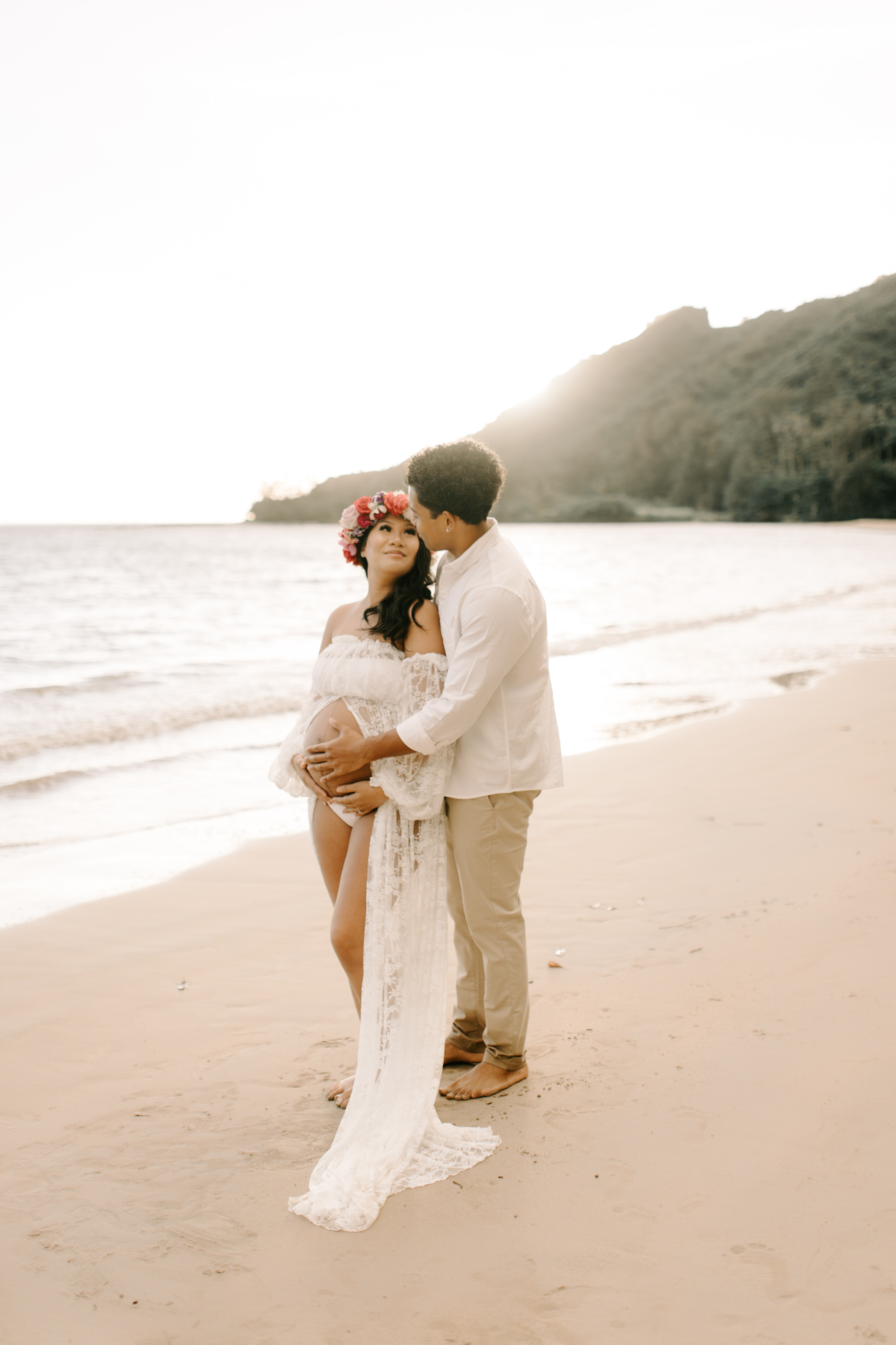 Beautiful Kahana Bay Oahu Sunrise Maternity Session By Hawaii Family Photographer Desiree Leilani