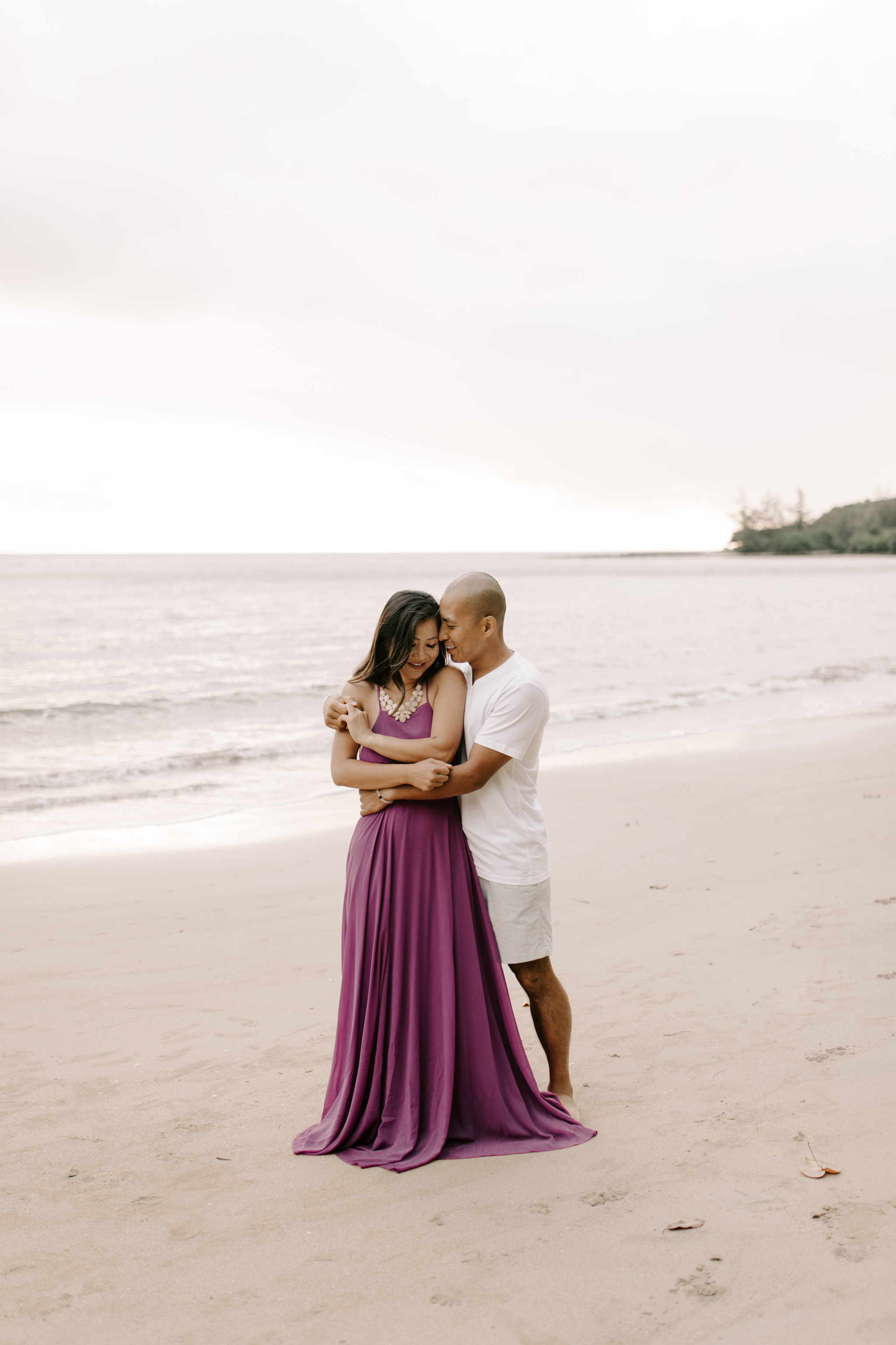 Beautiful Kahana Bay Sunrise Couple Photos By Hawaii Couple Photographer Desiree Leilani