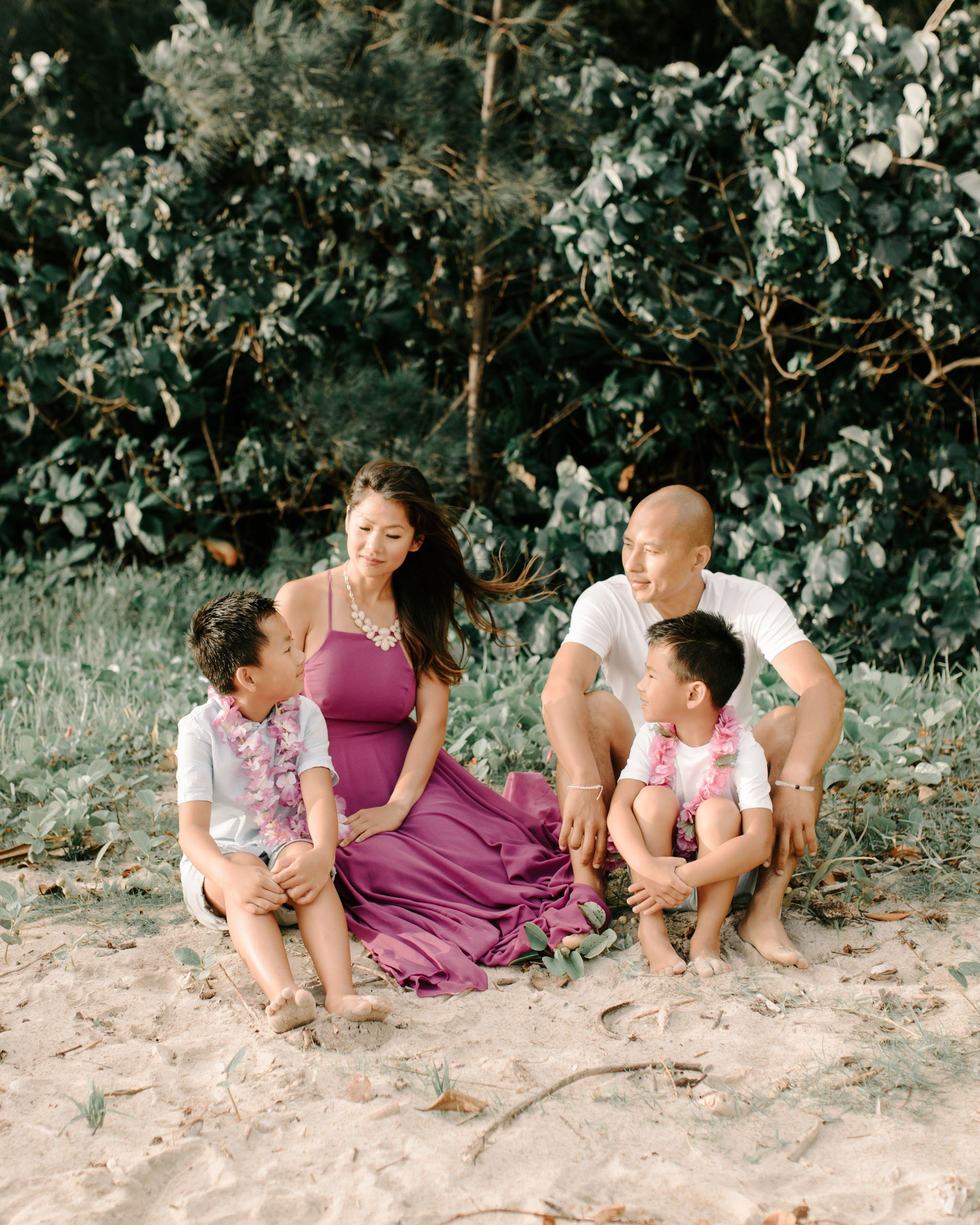 Beautiful Kahana Bay Sunrise Family Photos By Oahu Family Photographer Desiree Leilani