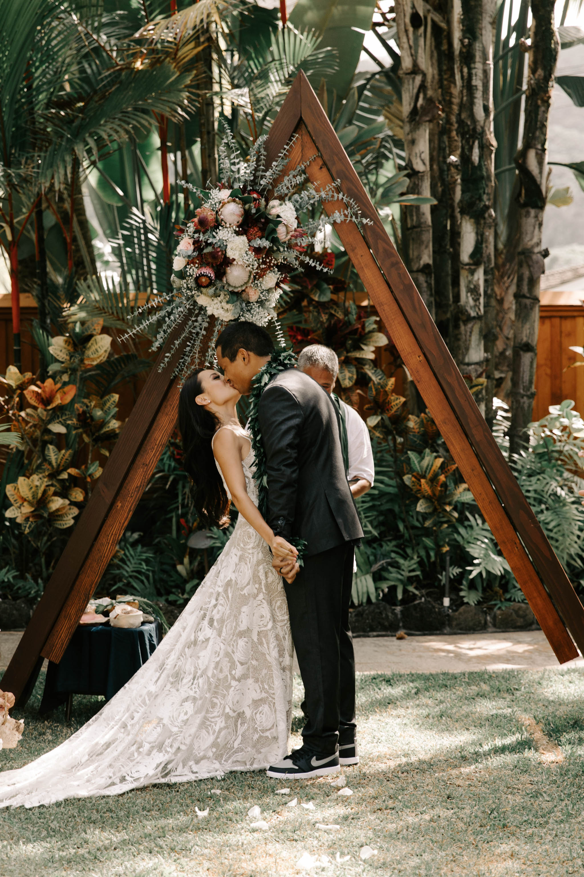 Triangle Wedding Ceremony Arch - Hale Koa Phineas Estate Wedding By Hawaii Wedding Photographer Desiree Leilani