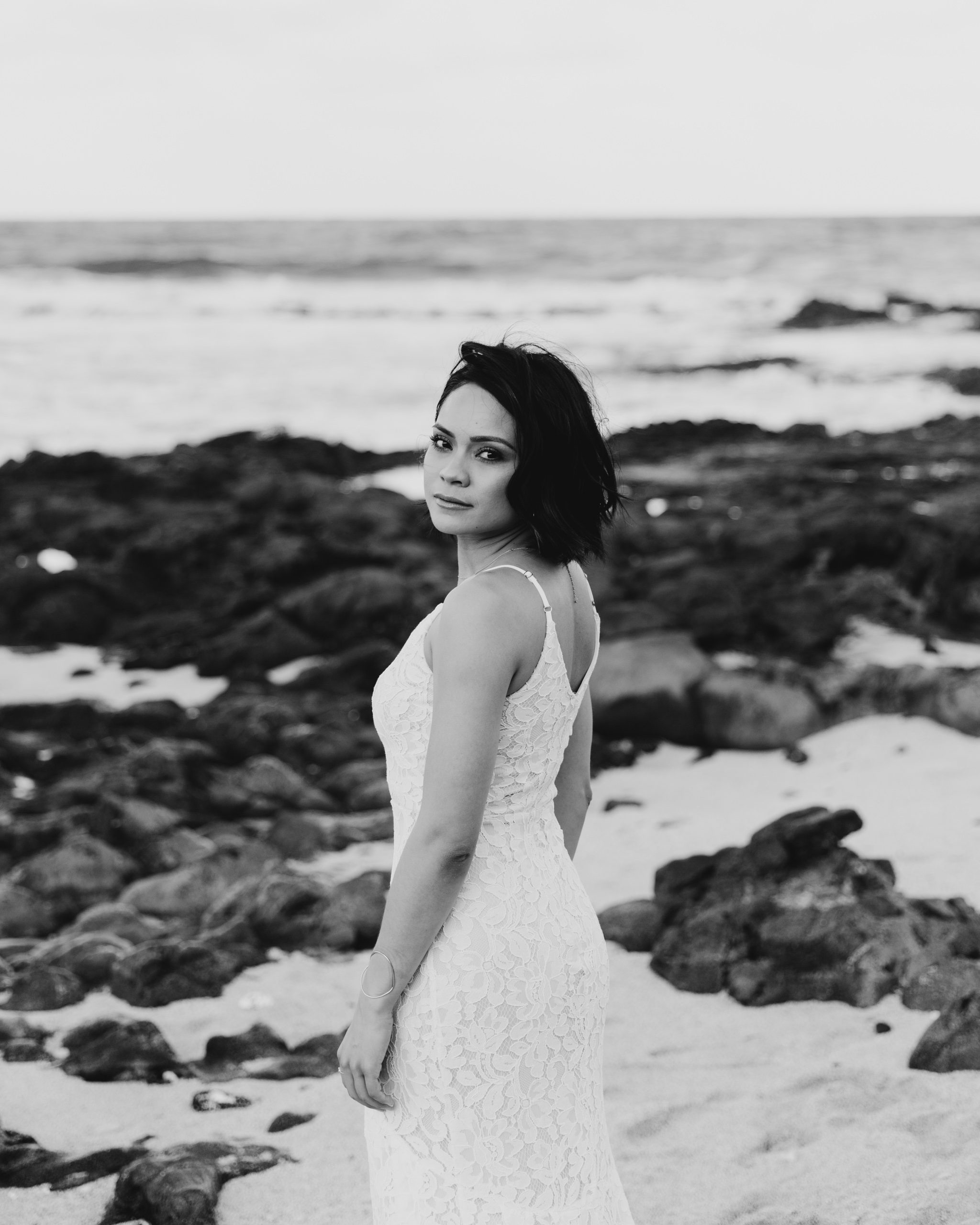 black and white makapuu bridal portraits by hawaii wedding photographer Desiree Leilani