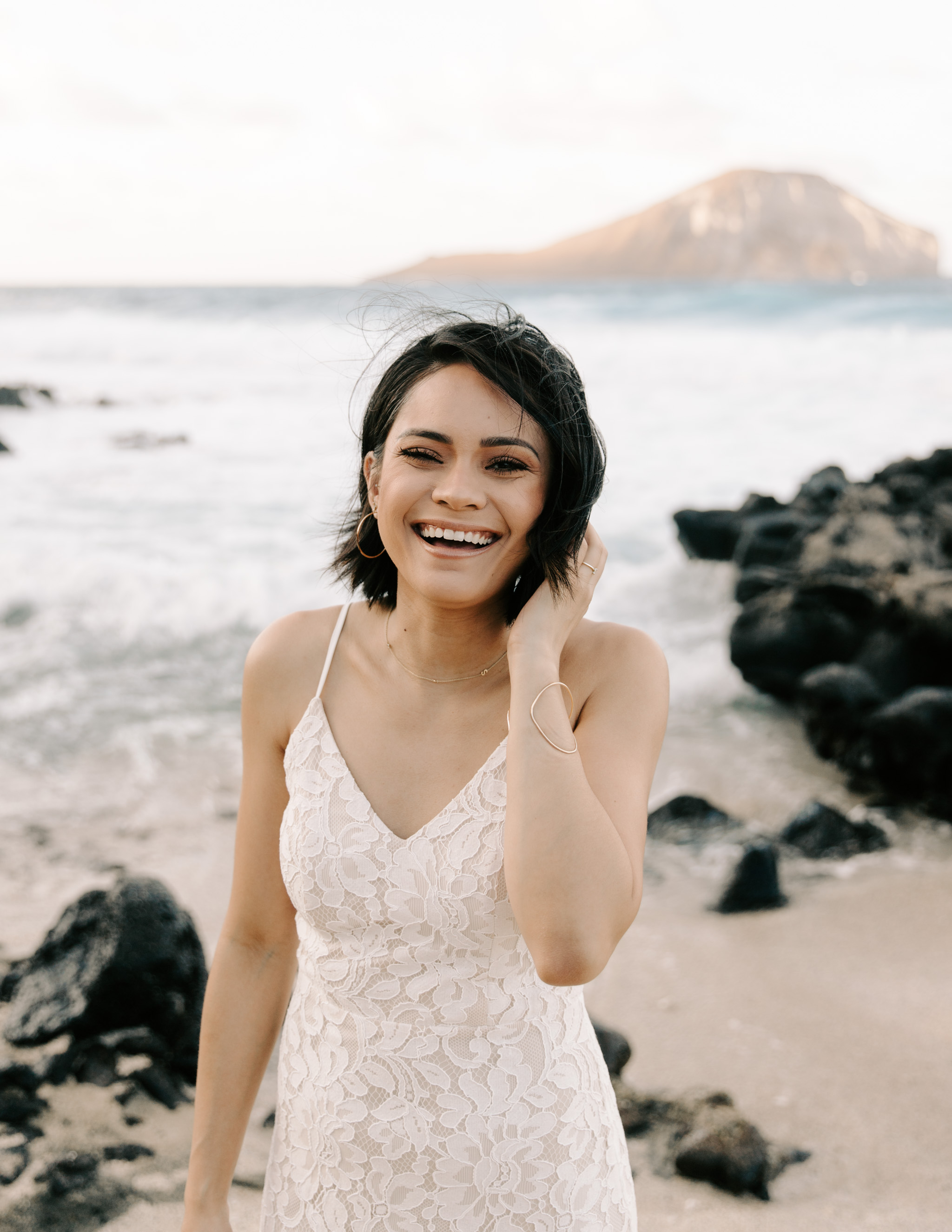 makapuu bridal portraits by oahu elopement photographer Desiree Leilani