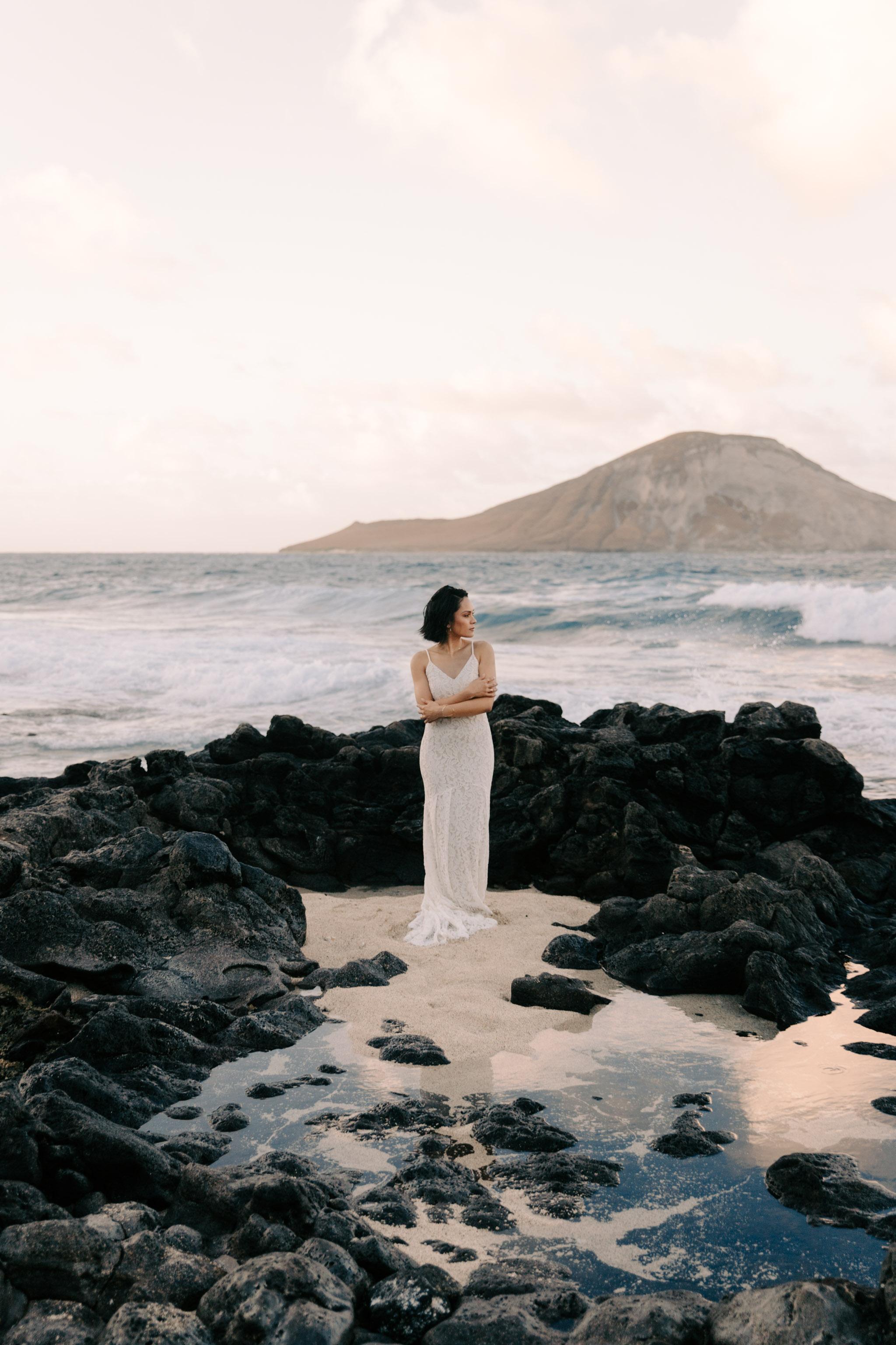 makapuu tidepool bridal portraits by hawaii wedding photographer Desiree Leilani