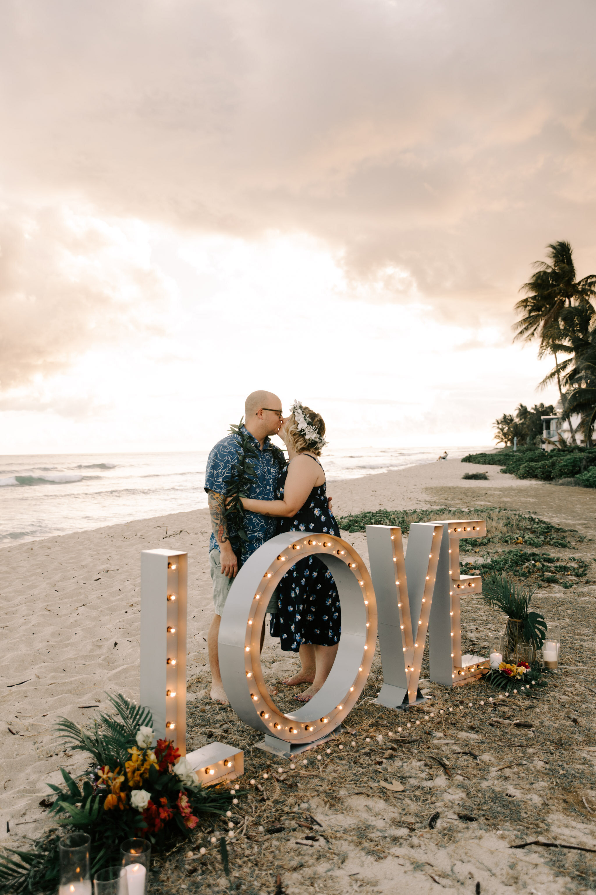Love light wedding sign - Aloha Picnics Puuloa Beach Park Hawaii Vow Renewal By Oahu Wedding Photographer Desiree Leilani