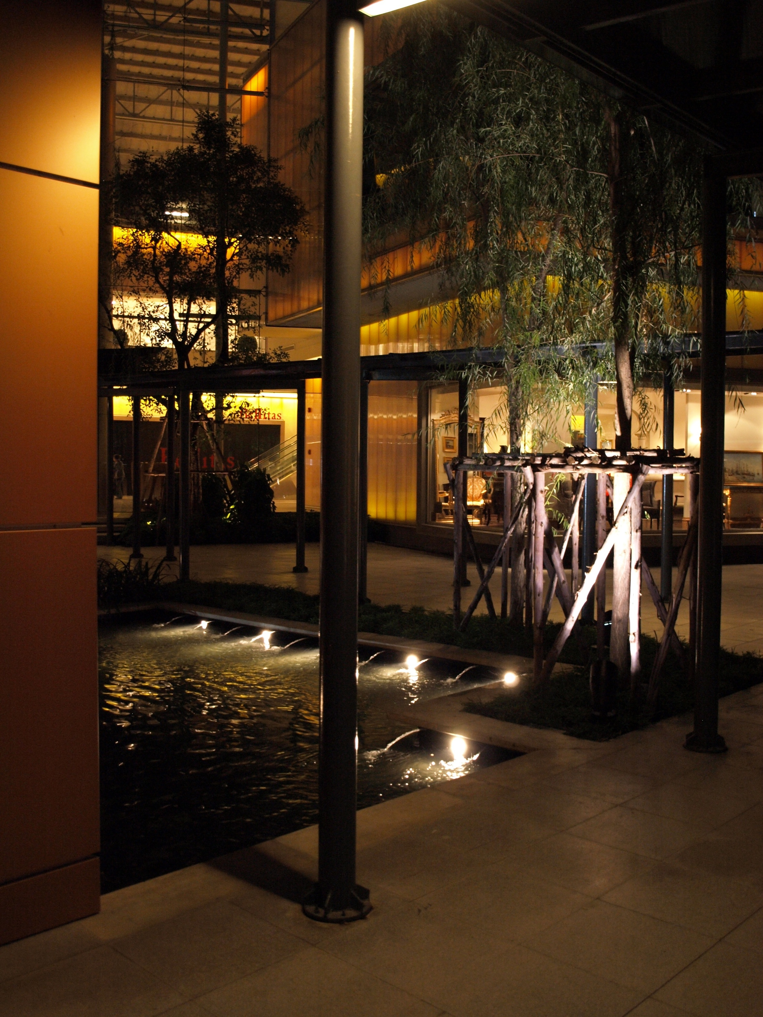 BOIFFILS-Crystal Design Center-Night-03.jpg