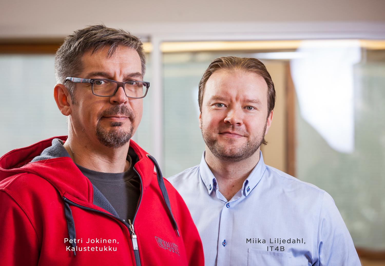 Petri Jokinen, Kalustetukku ja Miika Liljedahl, IT4B (oik.)
