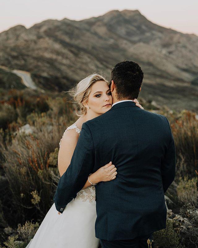 Wedding Preview // Saskia & Gustav Venue: @theoneheavenandearth Assistant photographer: @fionajoyphotography  @vanrensburgsaskia @gustav.groenewald