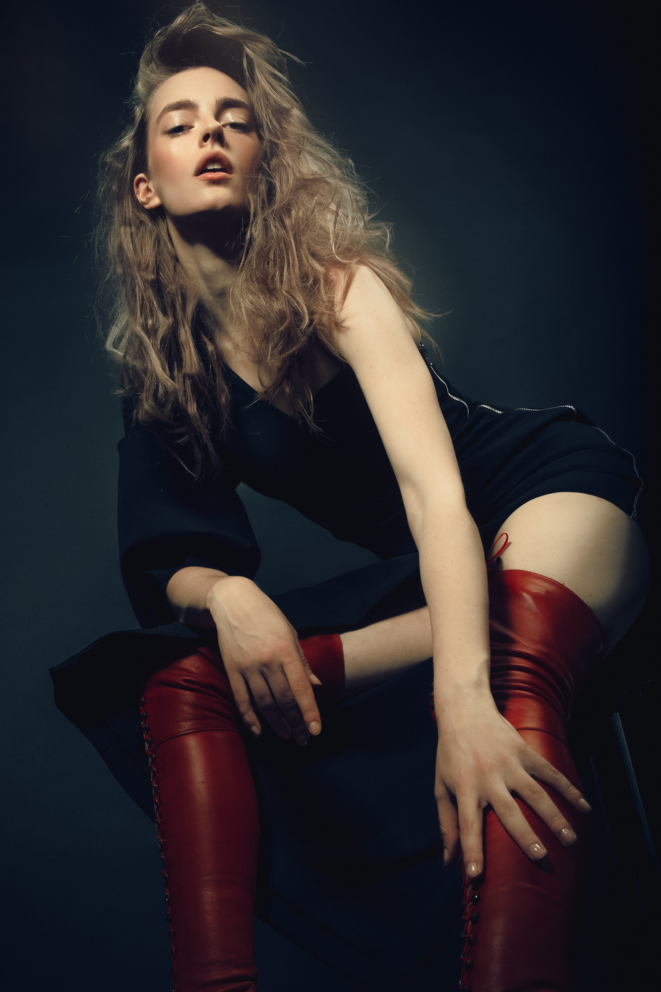 Dress  APHID, Red High laced Boots: Natacha Marro