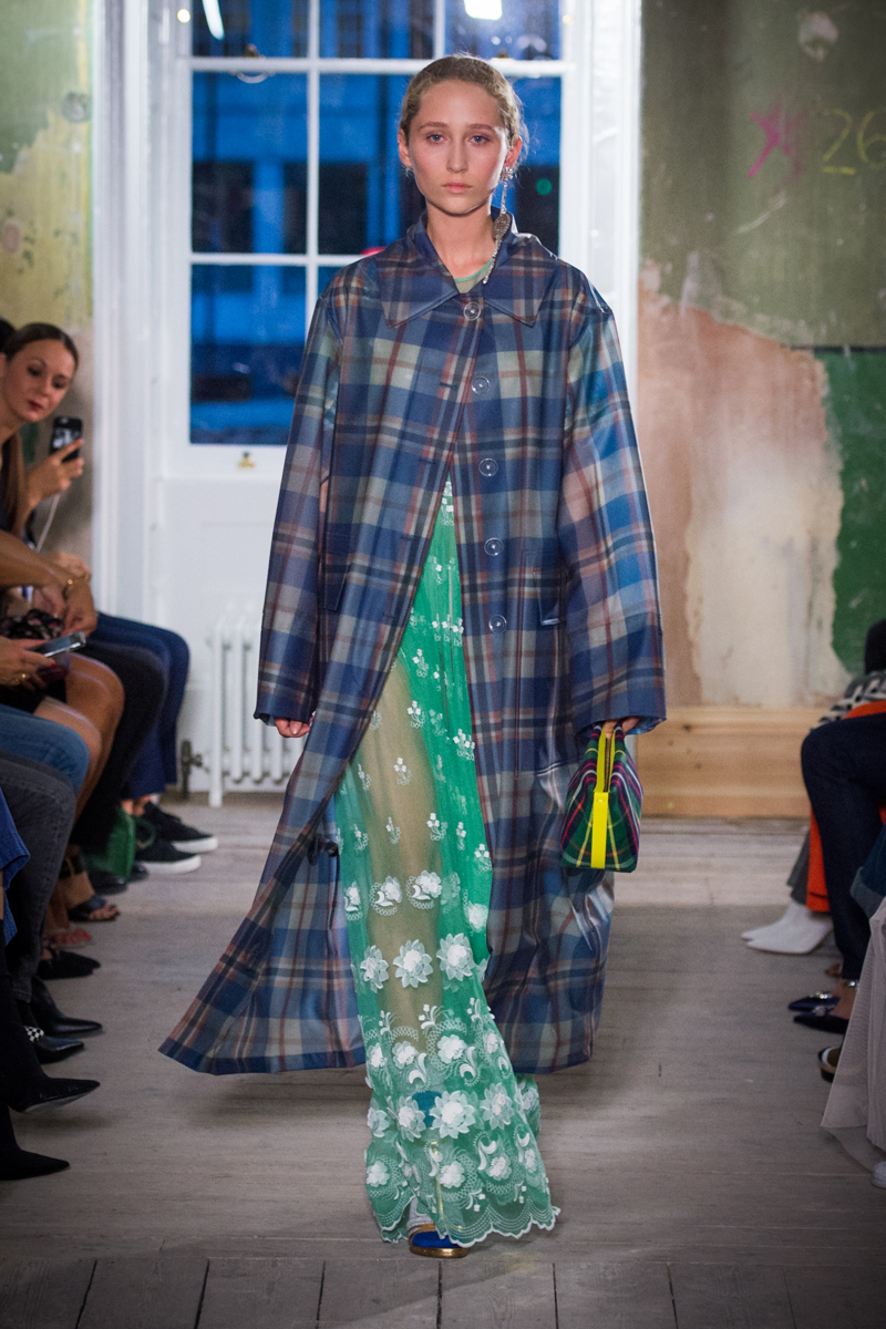 Burberry September 2017 Collection - Look 8_001.jpg