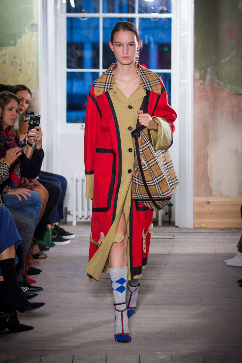 Burberry September 2017 Collection - Look 10_001.jpg