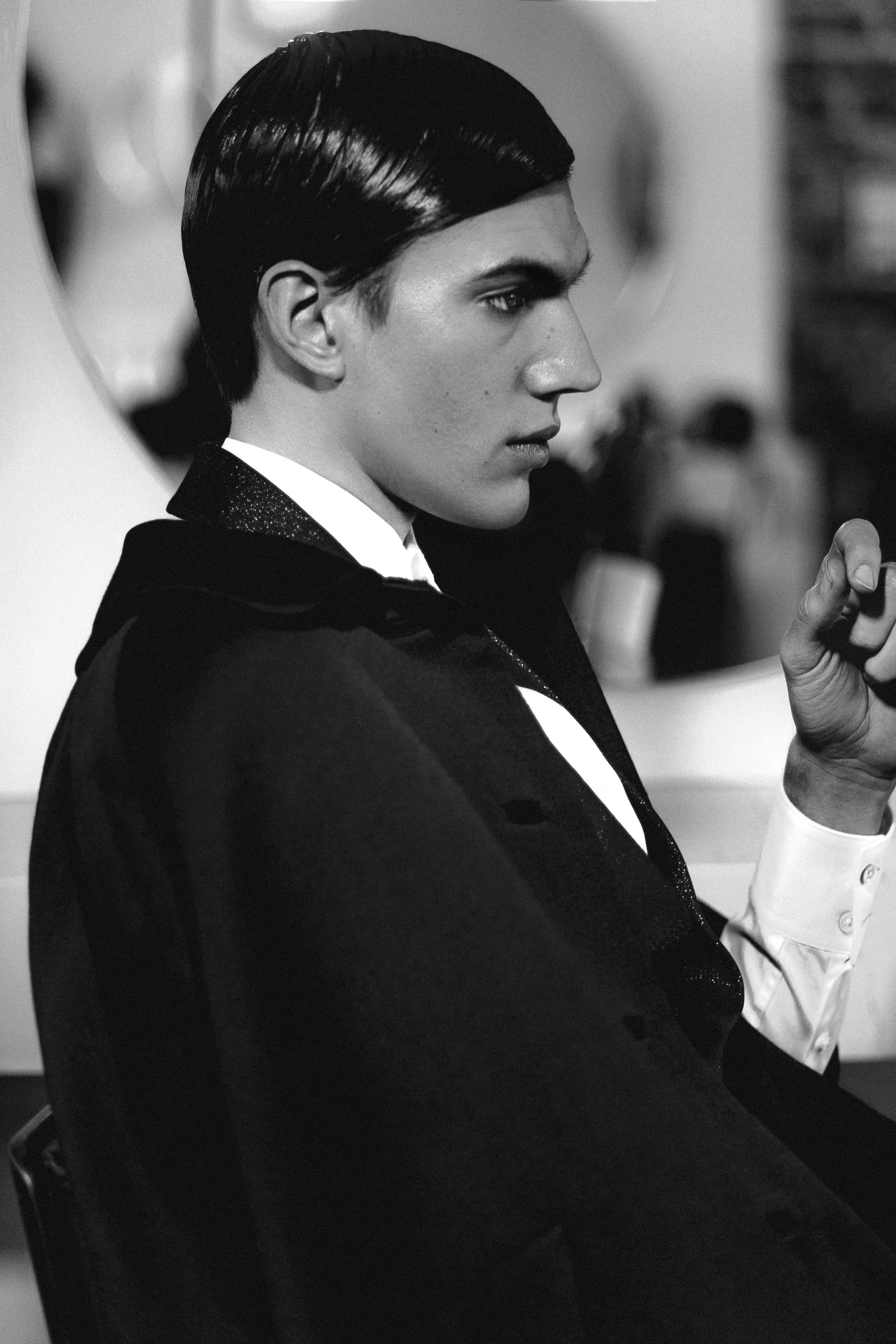 Suit  Joshua Kane , Shirt  Topman , Cape  Vintage Nina Ricci .