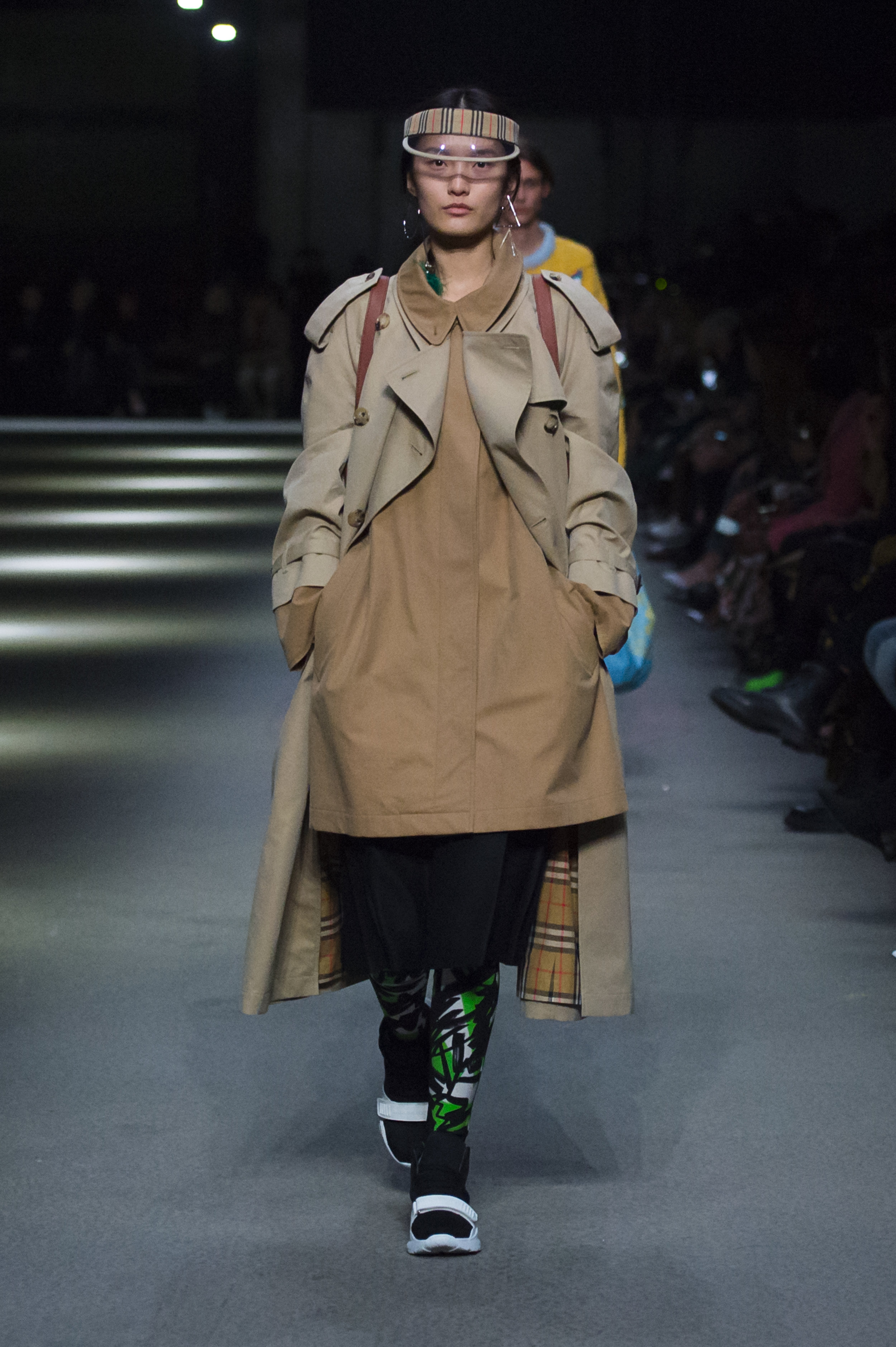 Burberry February Collection 2018 - Look 37.jpg