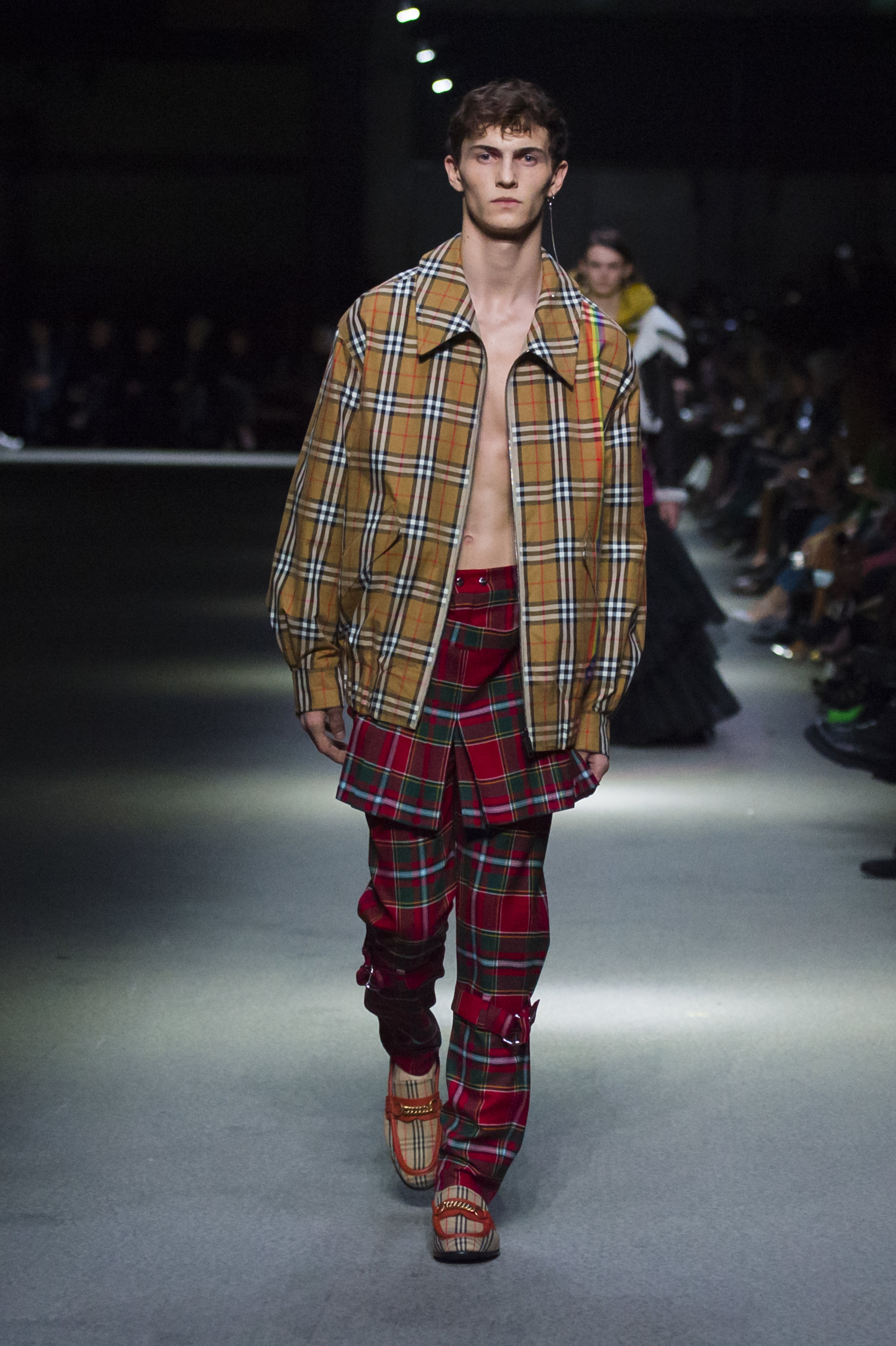 Burberry February Collection 2018 - Look 23.jpg