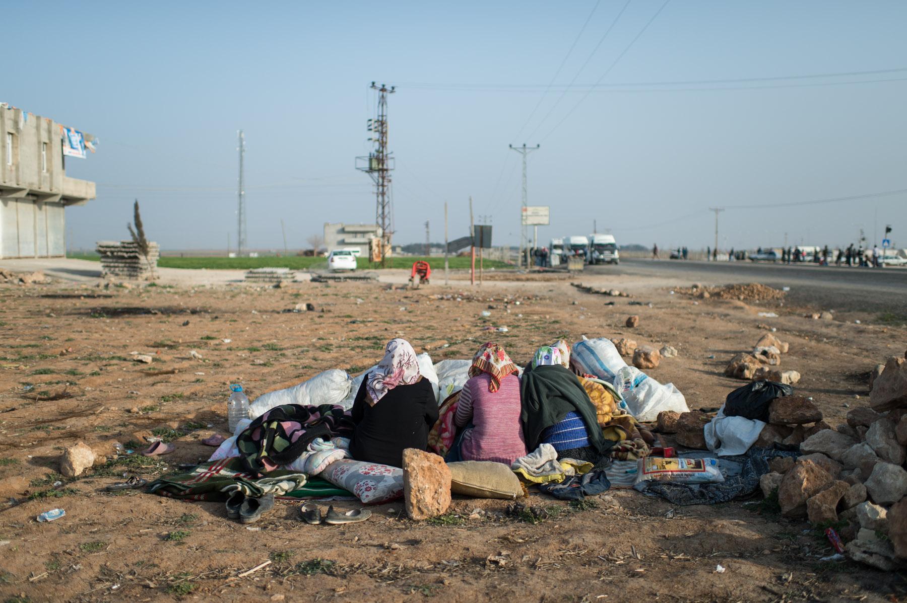 011syrian-turkish-border_by_fst_feb2014_DSC1492.jpg