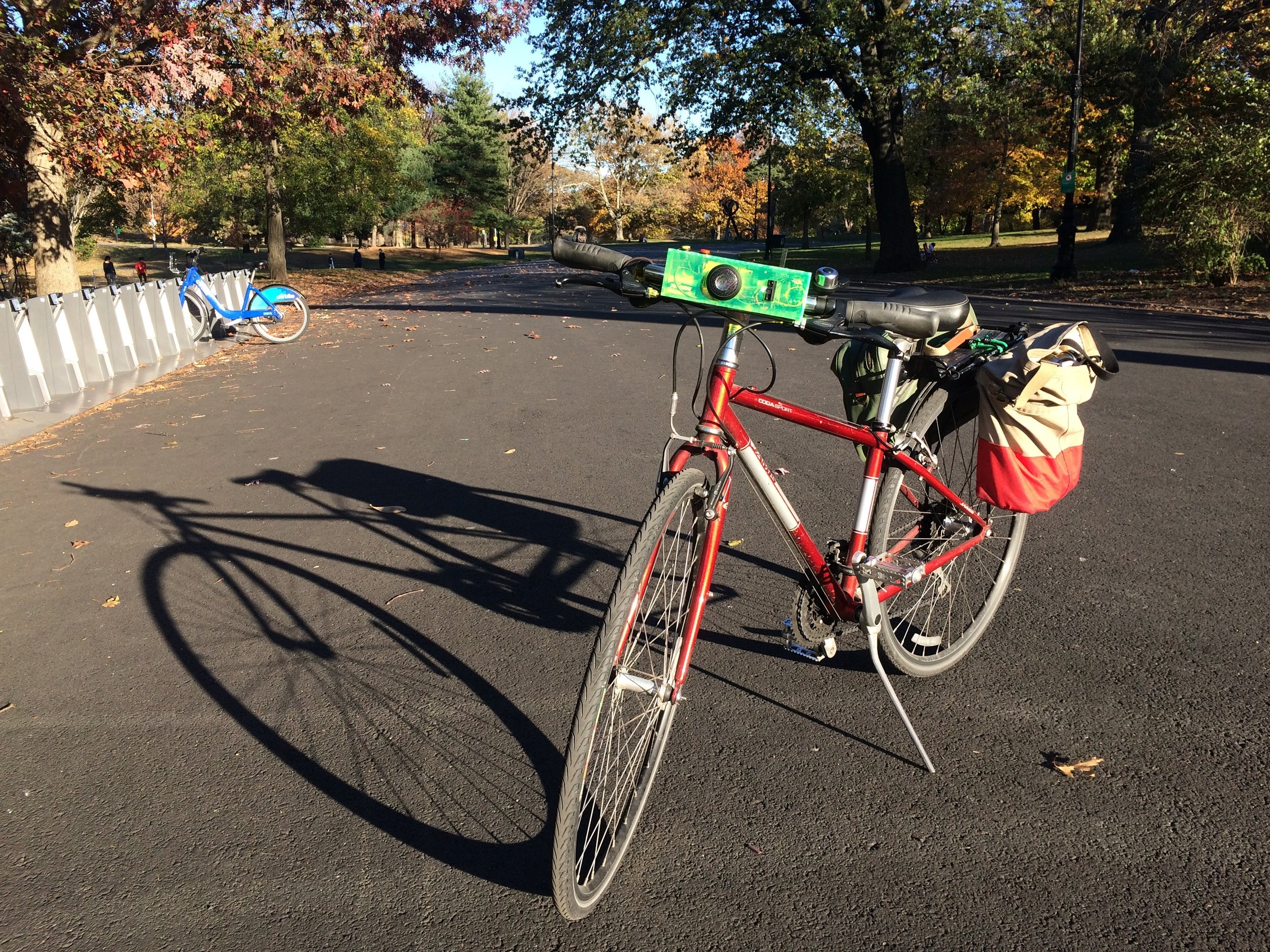 Bells & Yells - Ensuring safety and composure for urban cyclists