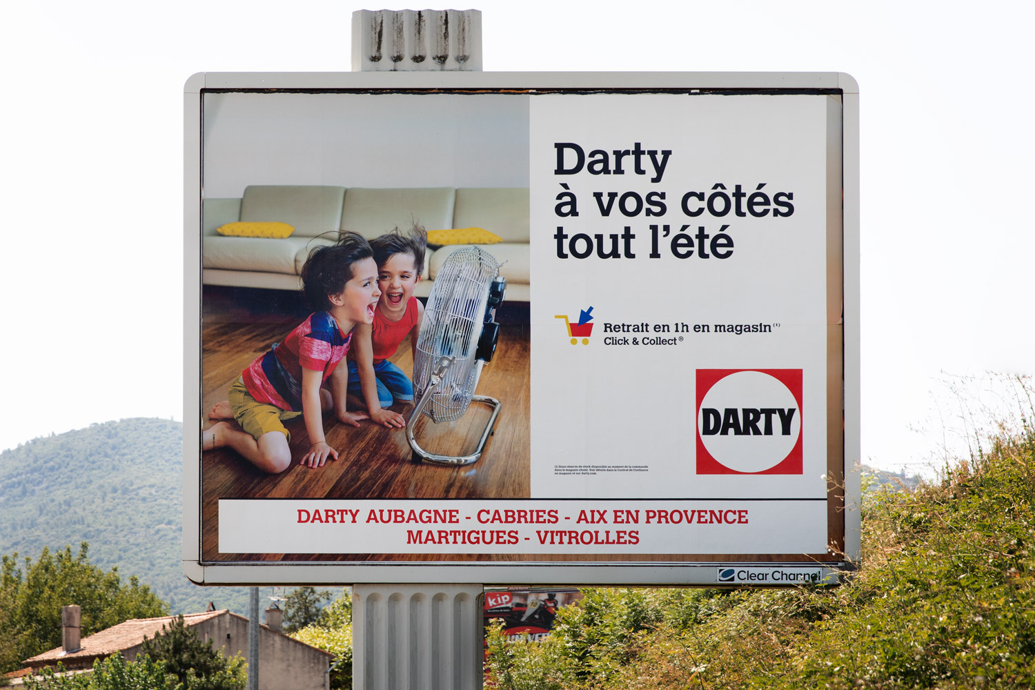 Advertising-kids-photographer-billboard-Darty.jpg
