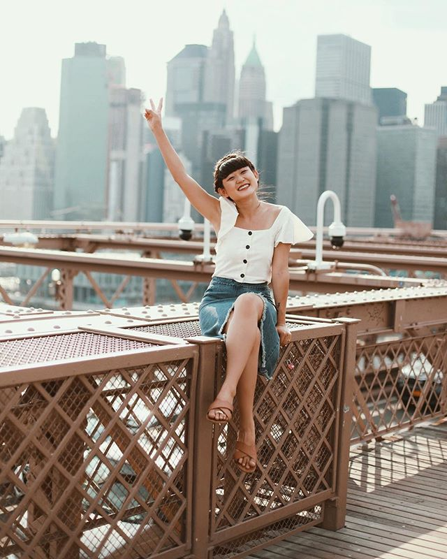 Cheesin' semi-high in the sky on the Brooklyn Bridge with the peace sign ✌🏻 I inherited from my dad and the multiple band-aids on my toes. || #AsSeenOnMe #NYC #BrooklynBridge