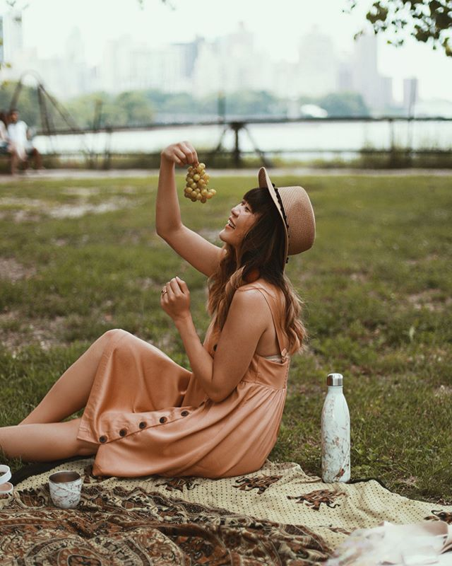 Crushing two bottles of rosé in the park before you snap photos means you end up insisting that the grapes 🍇 pose with you too. 🥂 Cheers to @swellbottle for making a 25 oz bottle to hold an entire bottle of rosé. 🙏🏻 || #SwellBottle #RoseAllDay #UOonYou #ArdeneBabe