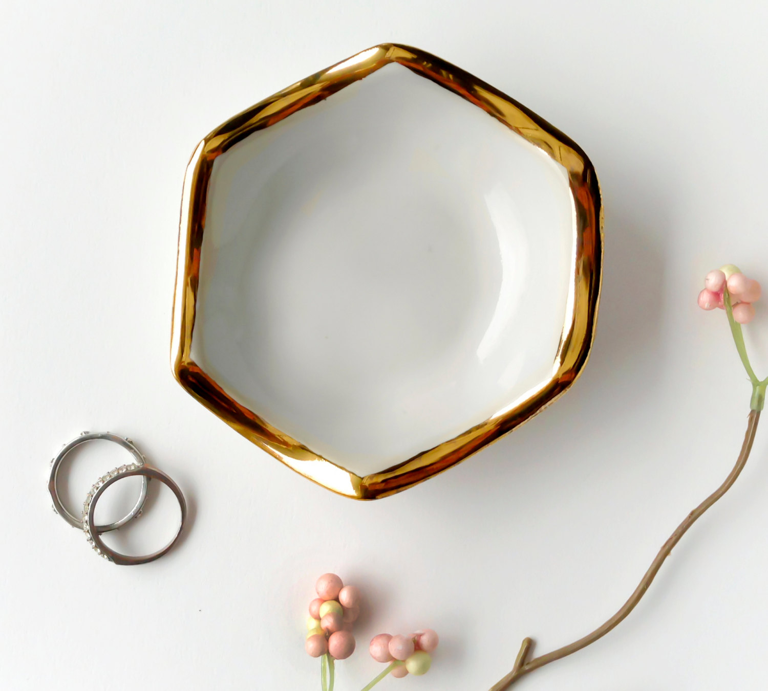 hexagon-ring-dish1.jpg