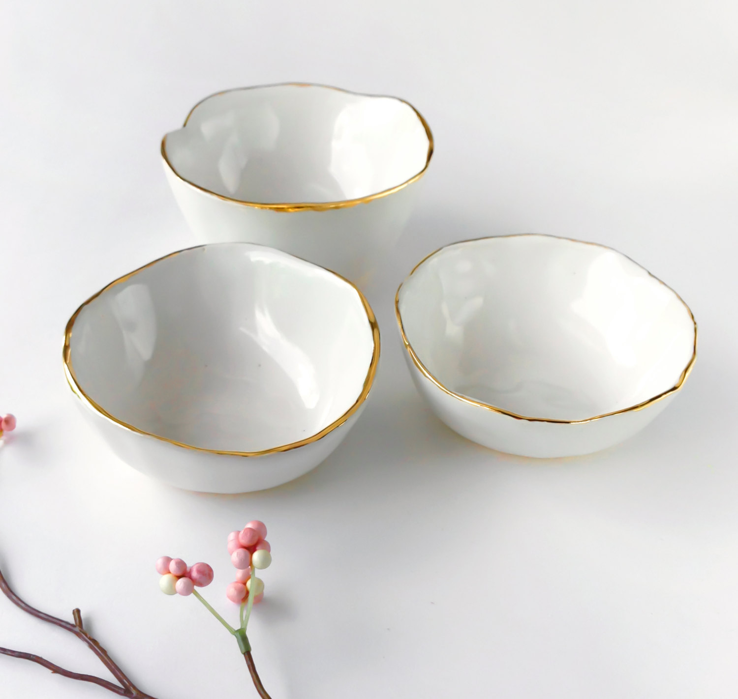 white-bowl-gold-rim1.jpg