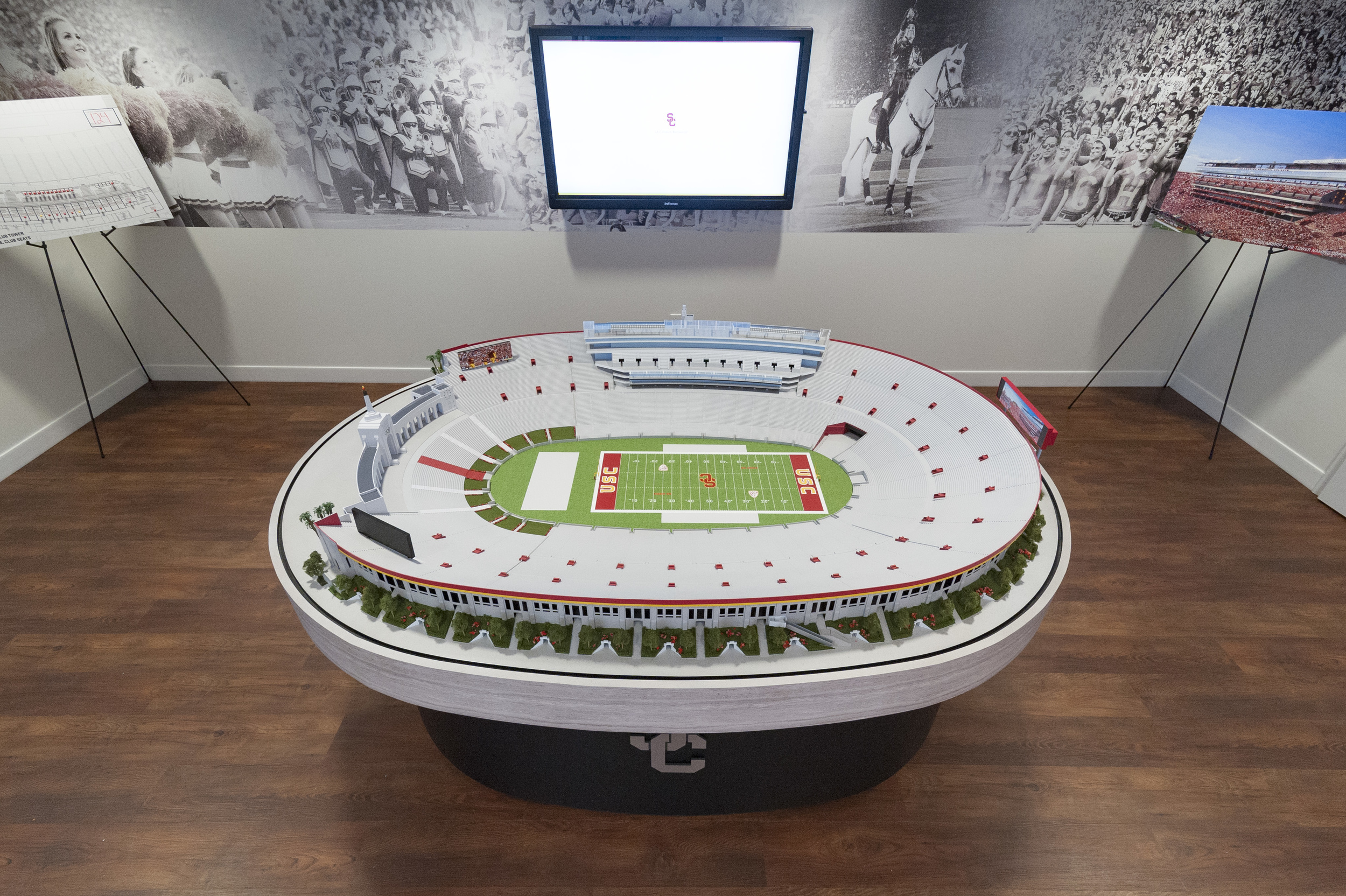 LA Memorial Coliseum Architectural Model (1:160) Scaled