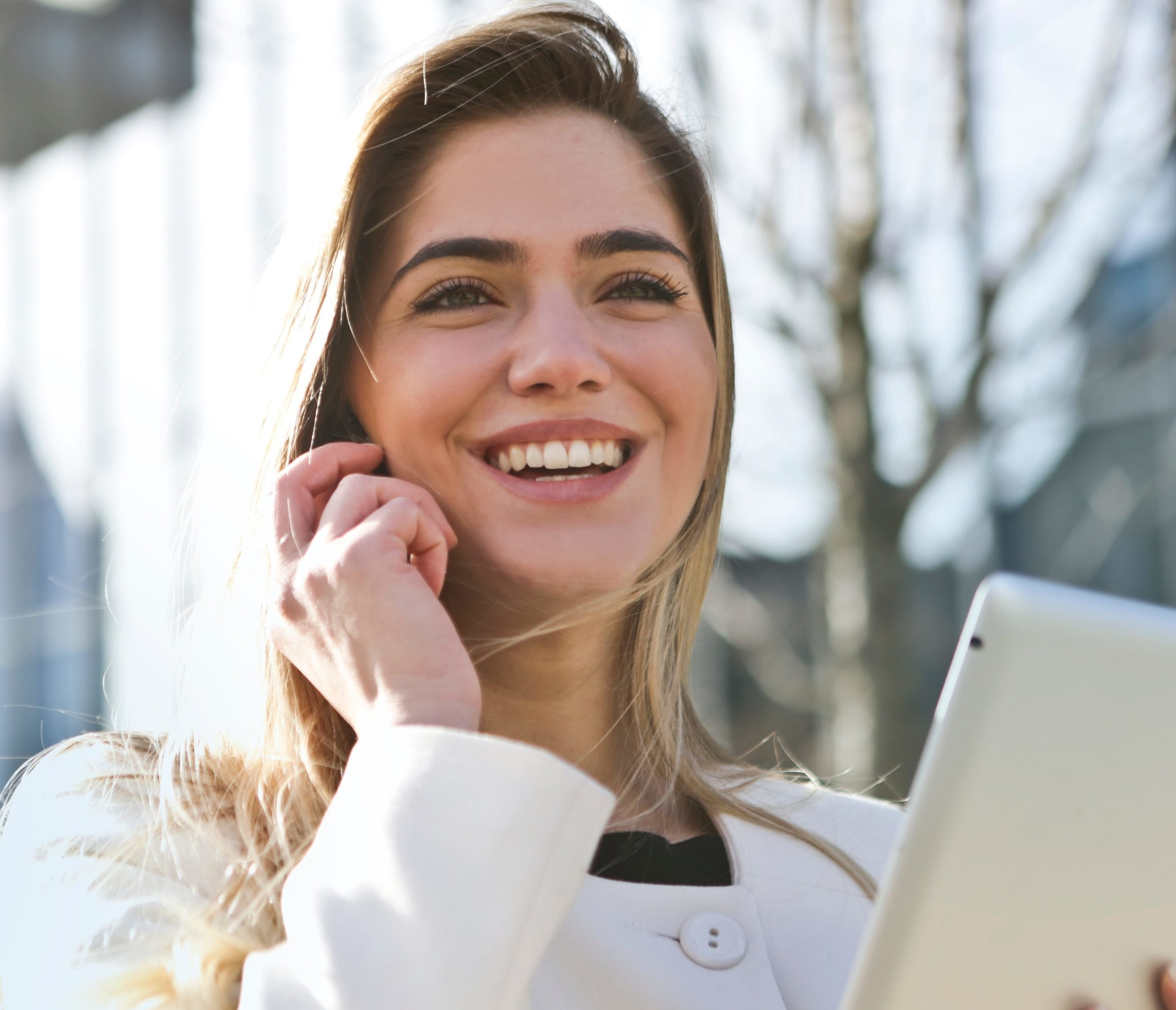 businesswoman-call-career-789822.jpg